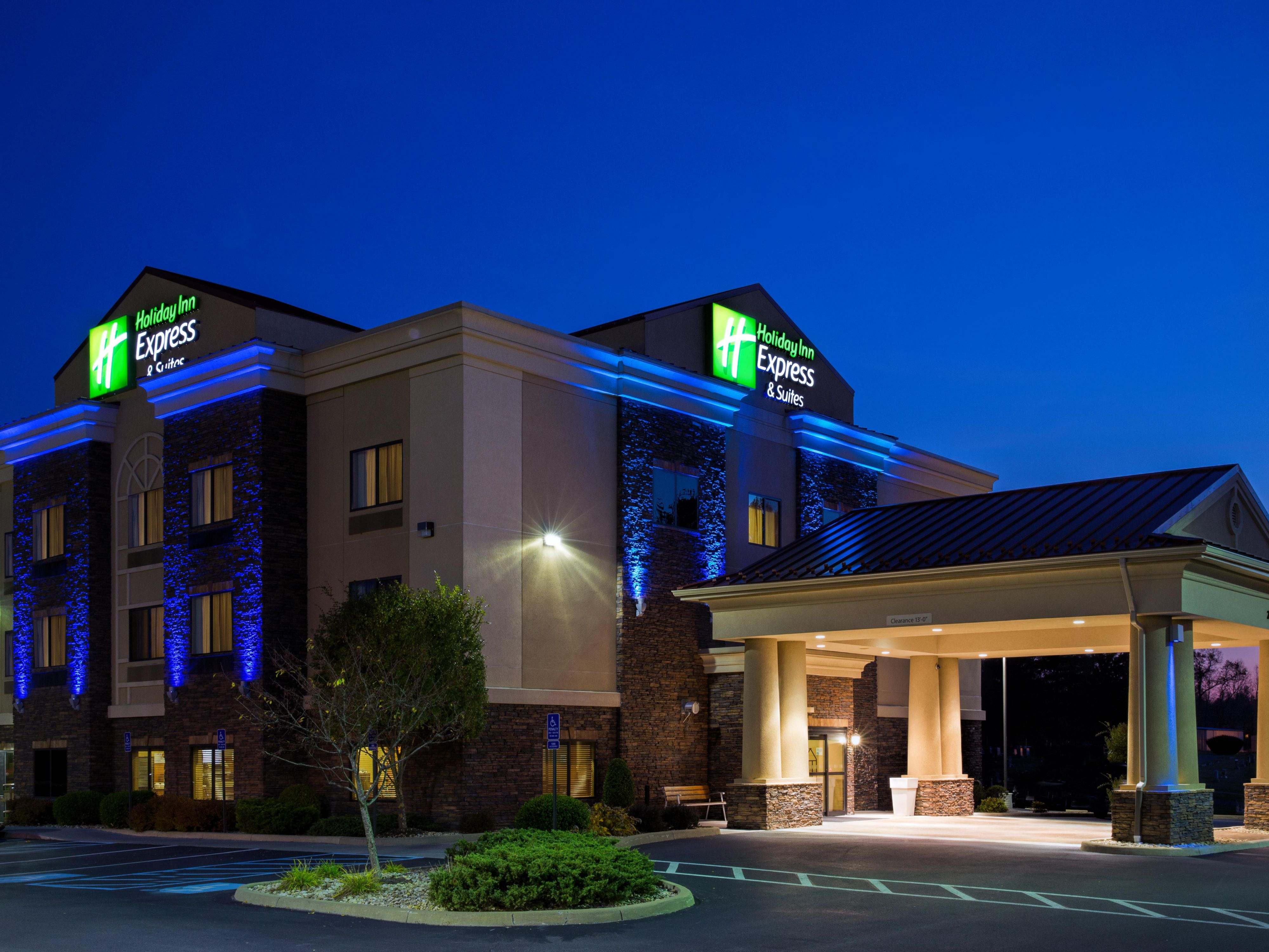 Holiday Inn Express Suites Lewisburg Hotel By Ihg