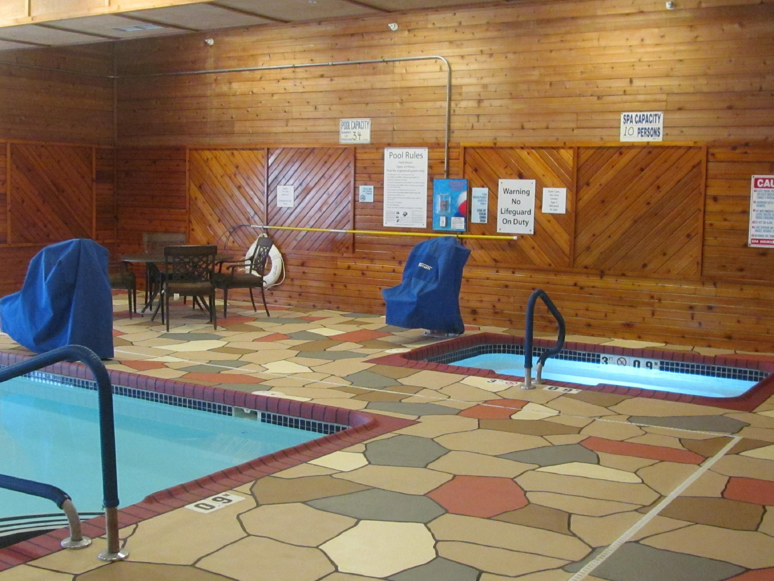 Holiday Inn Express Lexington NE Indoor Pool and Whirlpool
