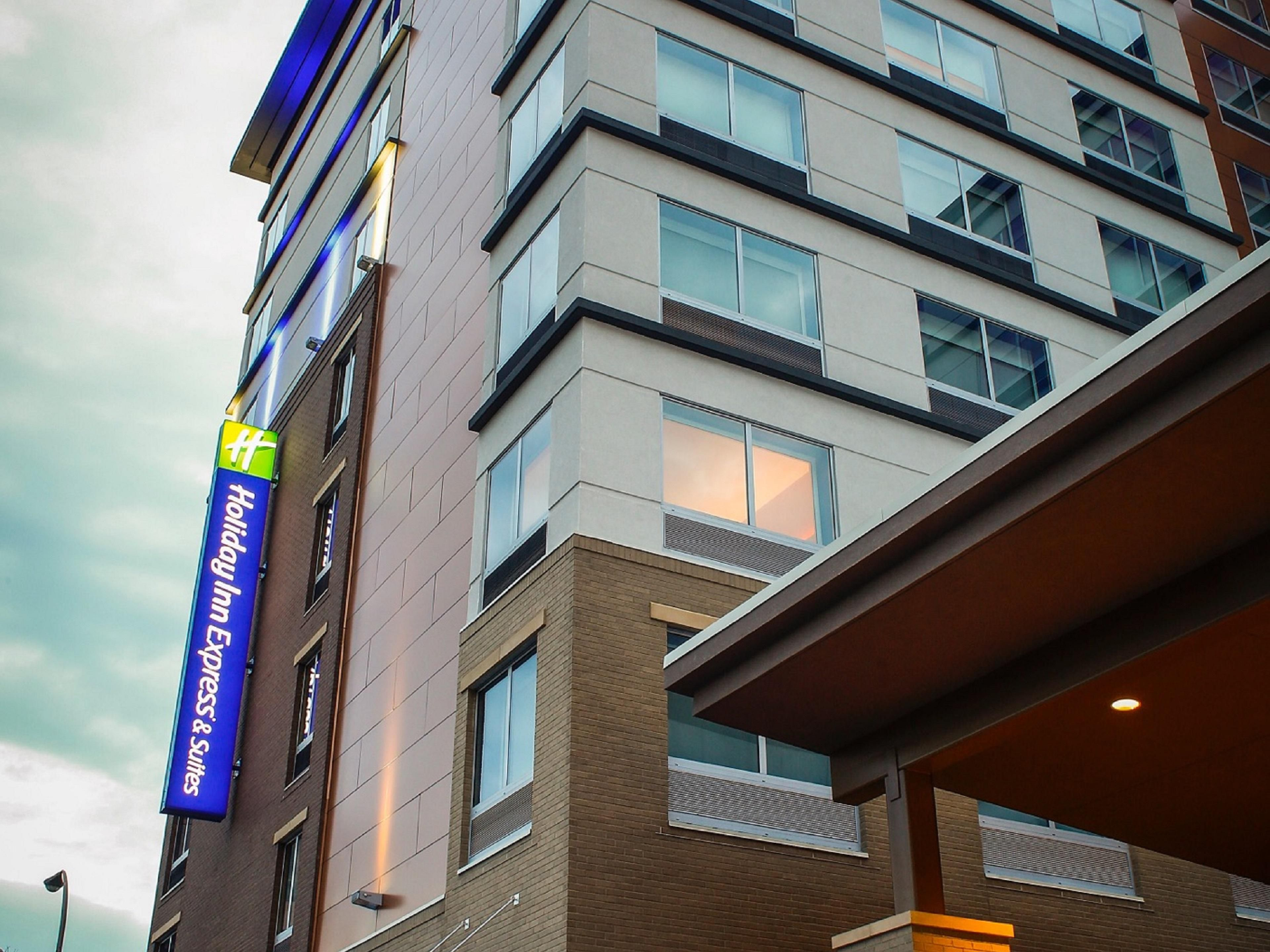 Holiday Inn Express Suites Louisville Downtown Hotel In By Ihg