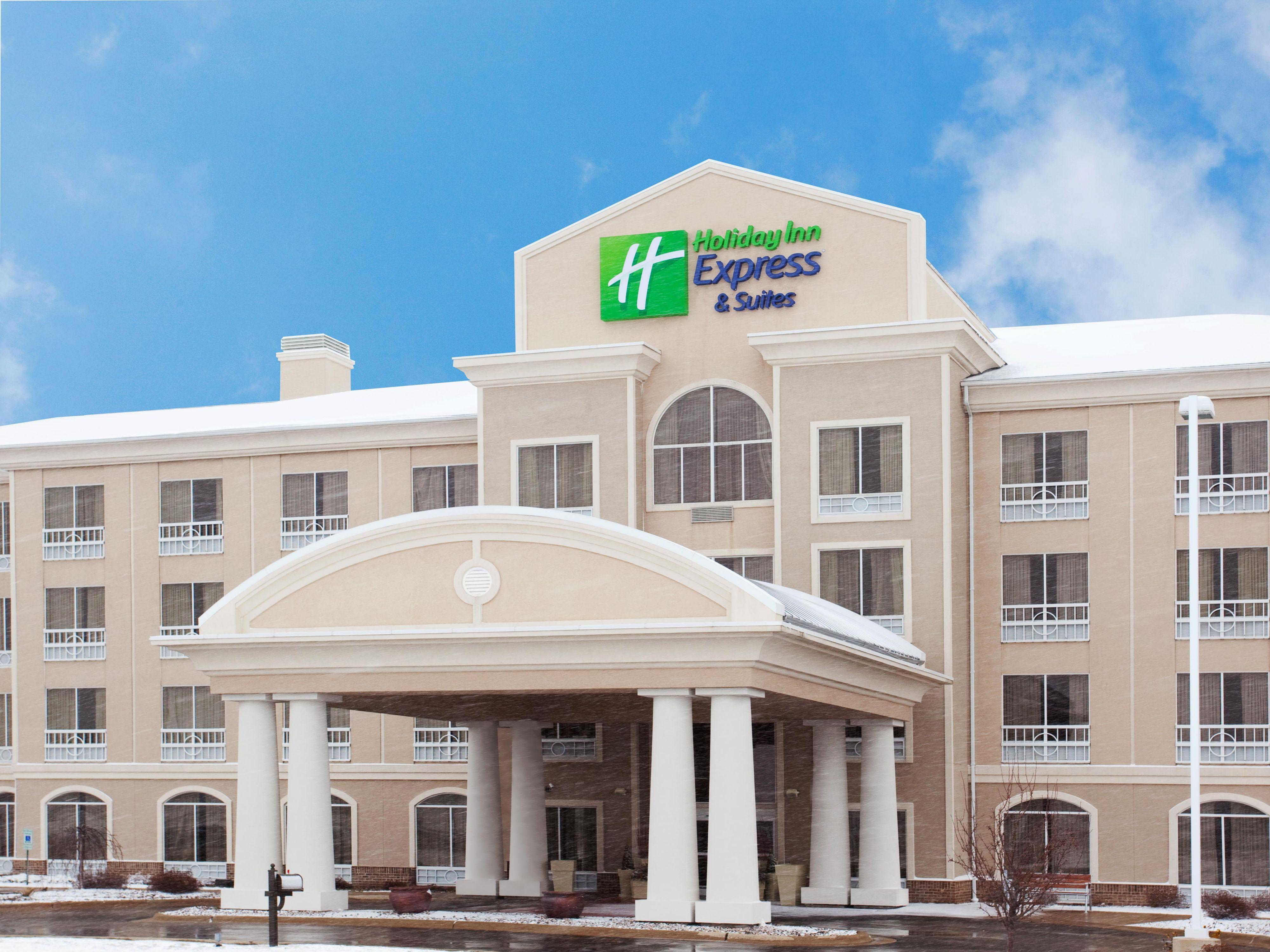 Holiday Inn Express Suites Rockford Loves Park