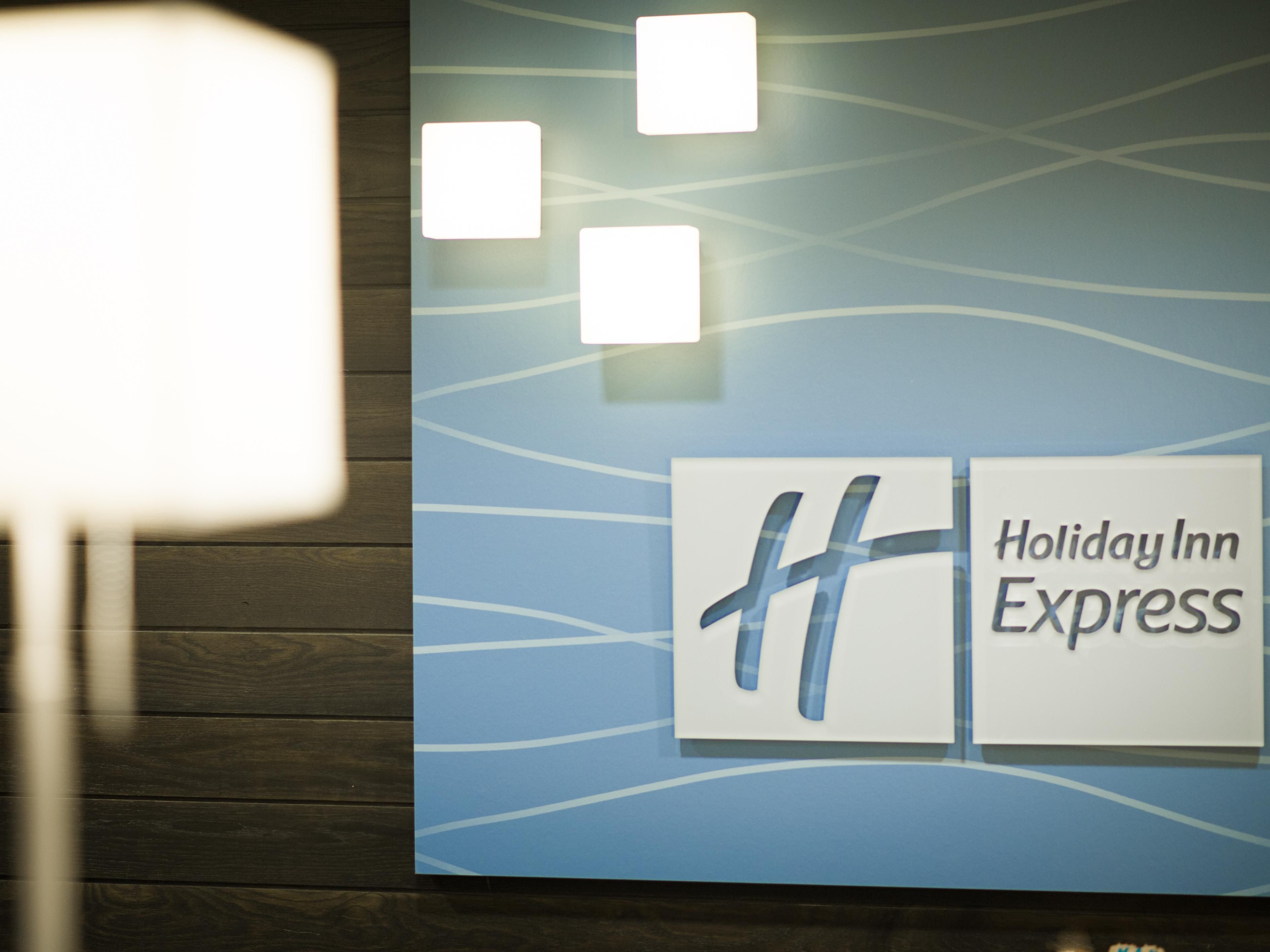 Holiday Inn Express & Suites Madison Central Front Desk