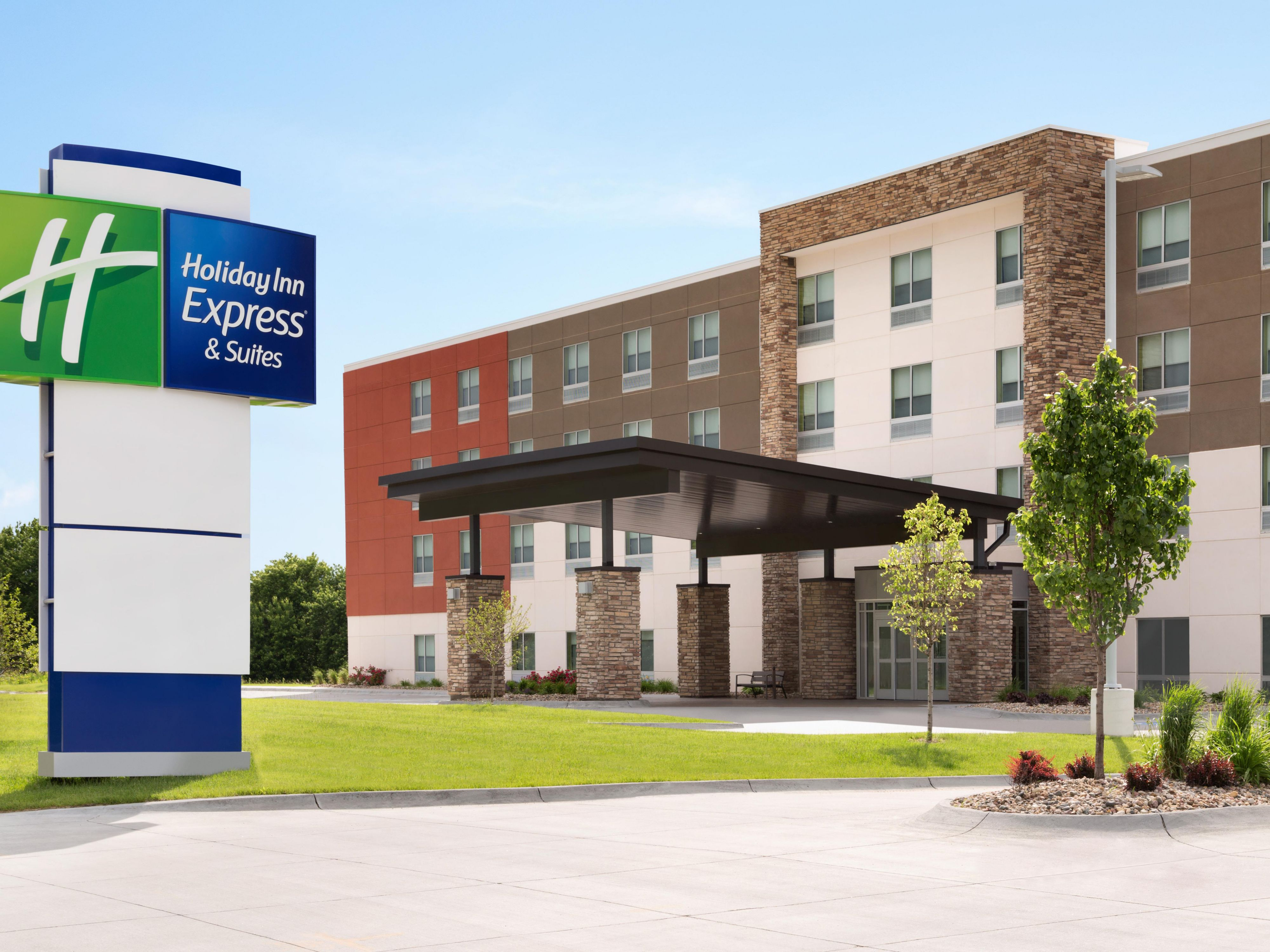 Cool Front Drives Off Madisons Hot >> Holiday Inn Express Suites Madison Hotel In Madison By Ihg