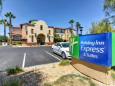 Holiday Inn Express & Suites Manteca City Center