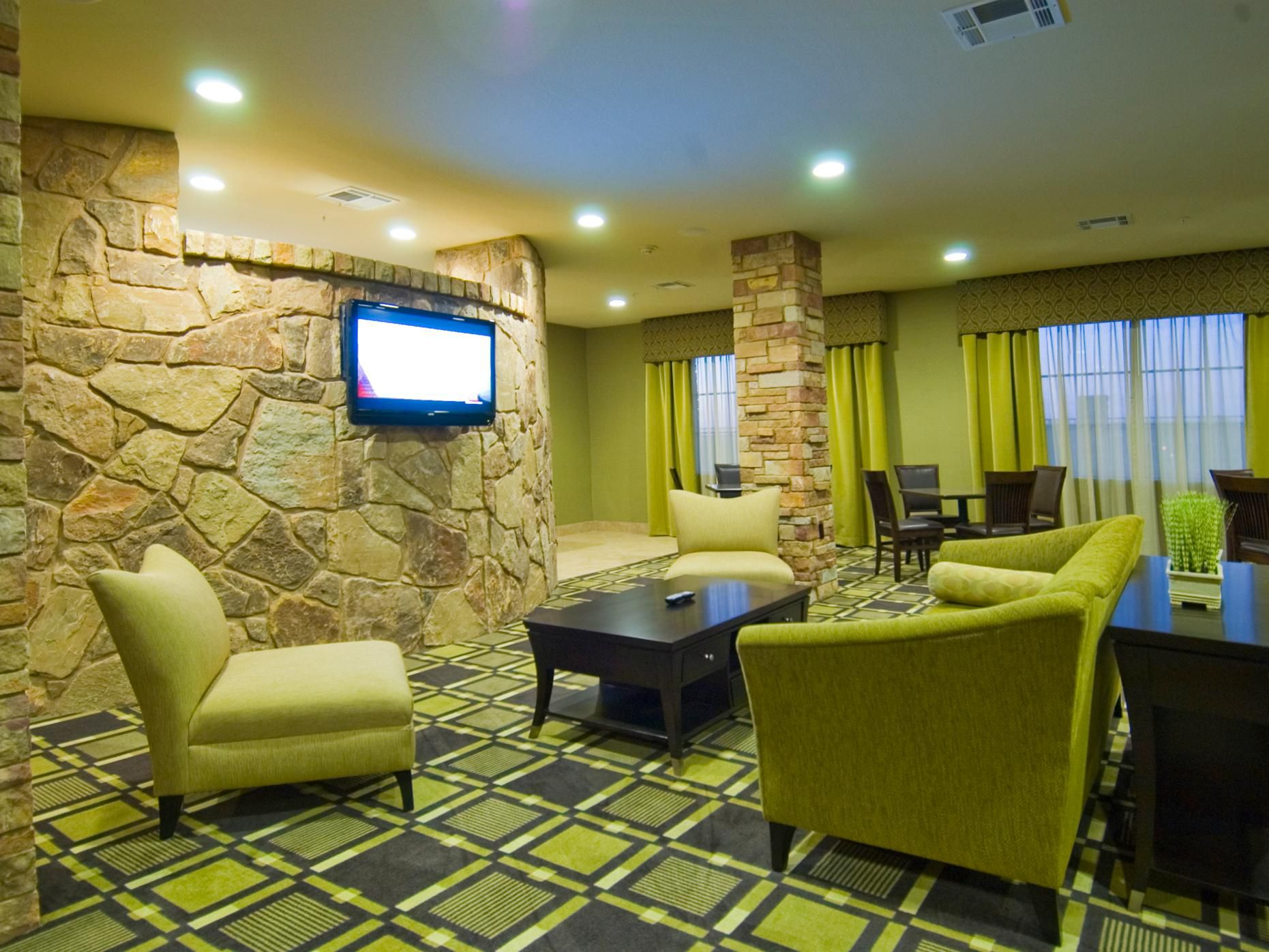 Marble Falls, TX Holiday Inn Express Hotel Great Room
