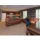 Queen Jacuzzi with full kitchen Club Floor Room