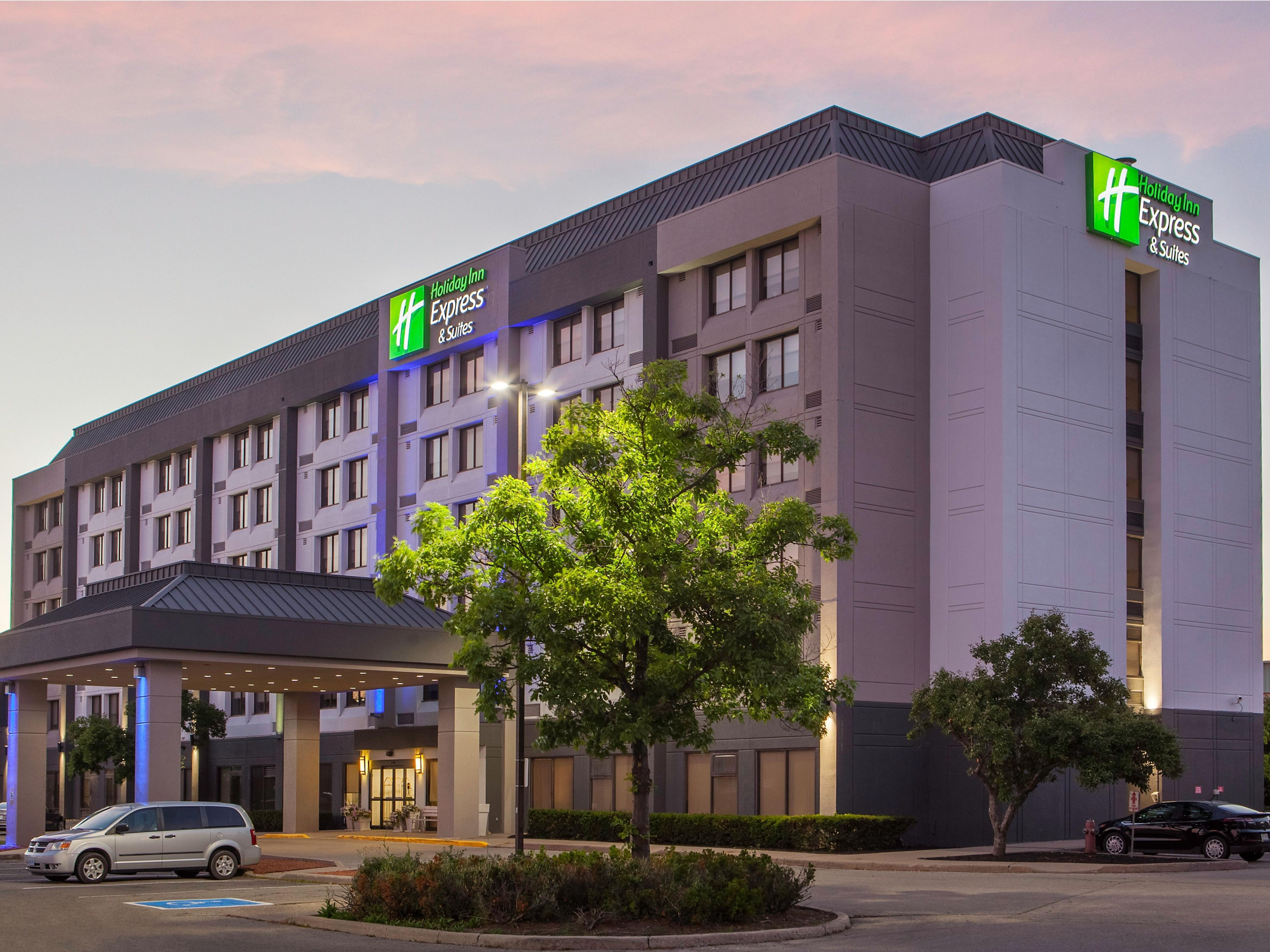 Holiday Inn Express & Suites Toronto-Mississauga Hotel by IHG