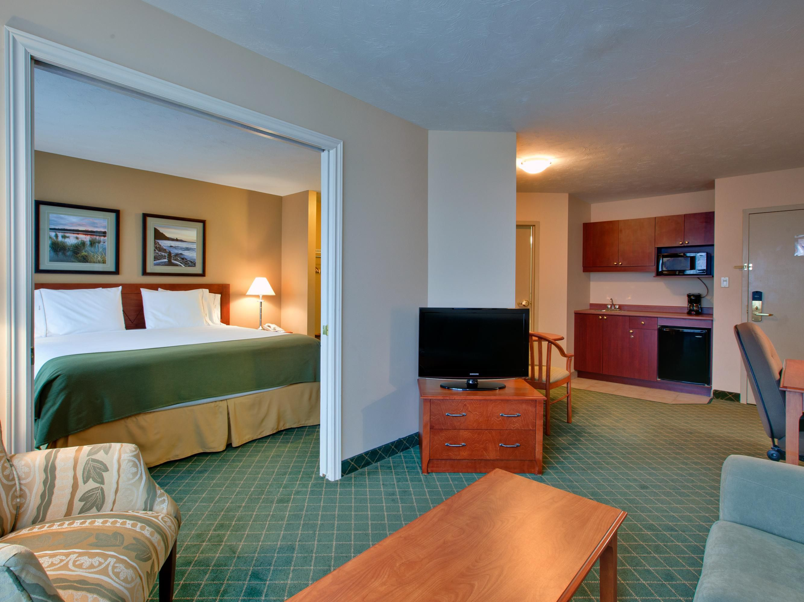 We offer 50 suites with separate living room and closed bedroom