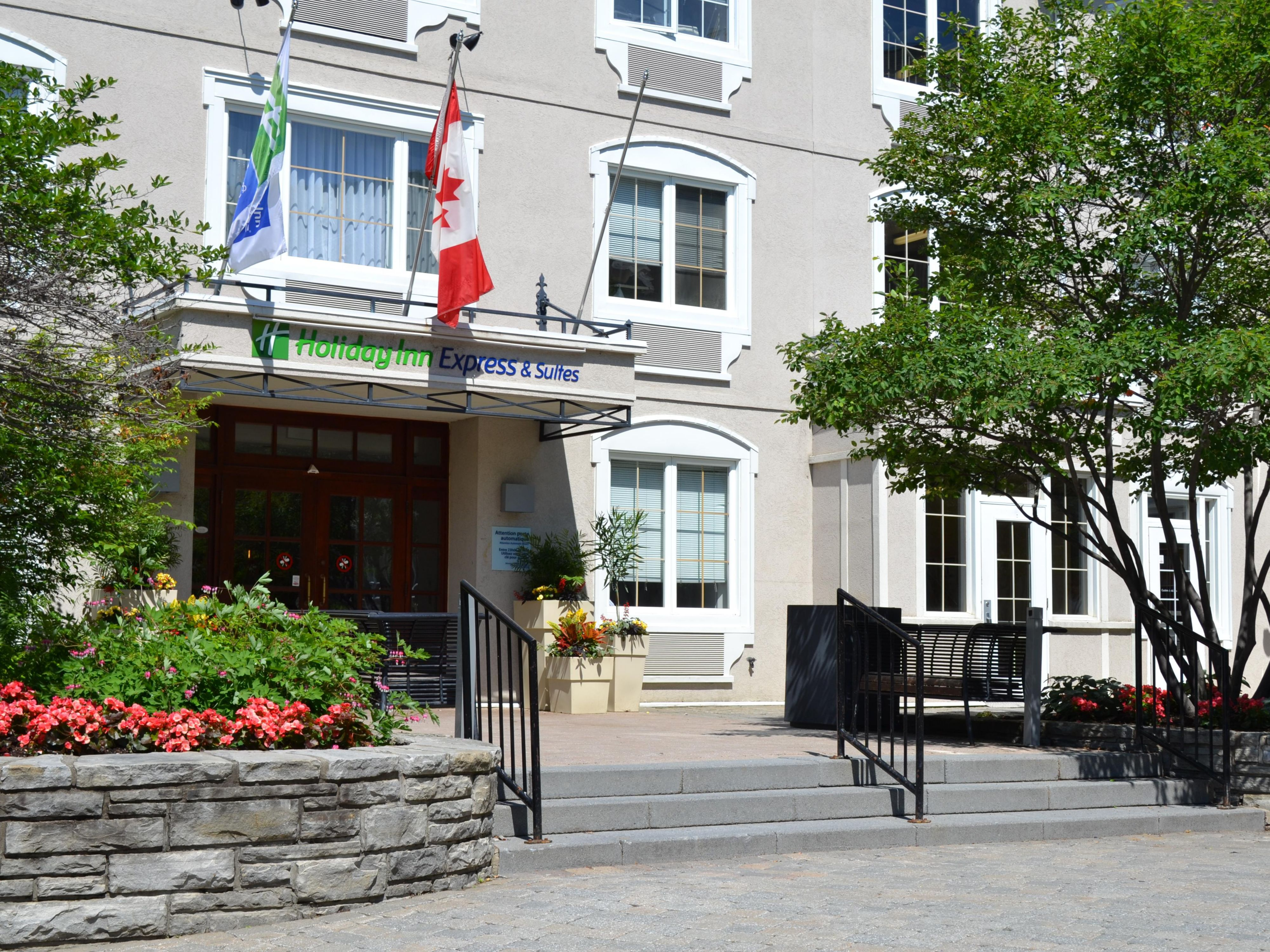 Holiday Inn Express & Suites Tremblant Hotel by IHG