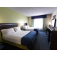 Queen Bed Guest Room Holiday Inn Express Eastchase