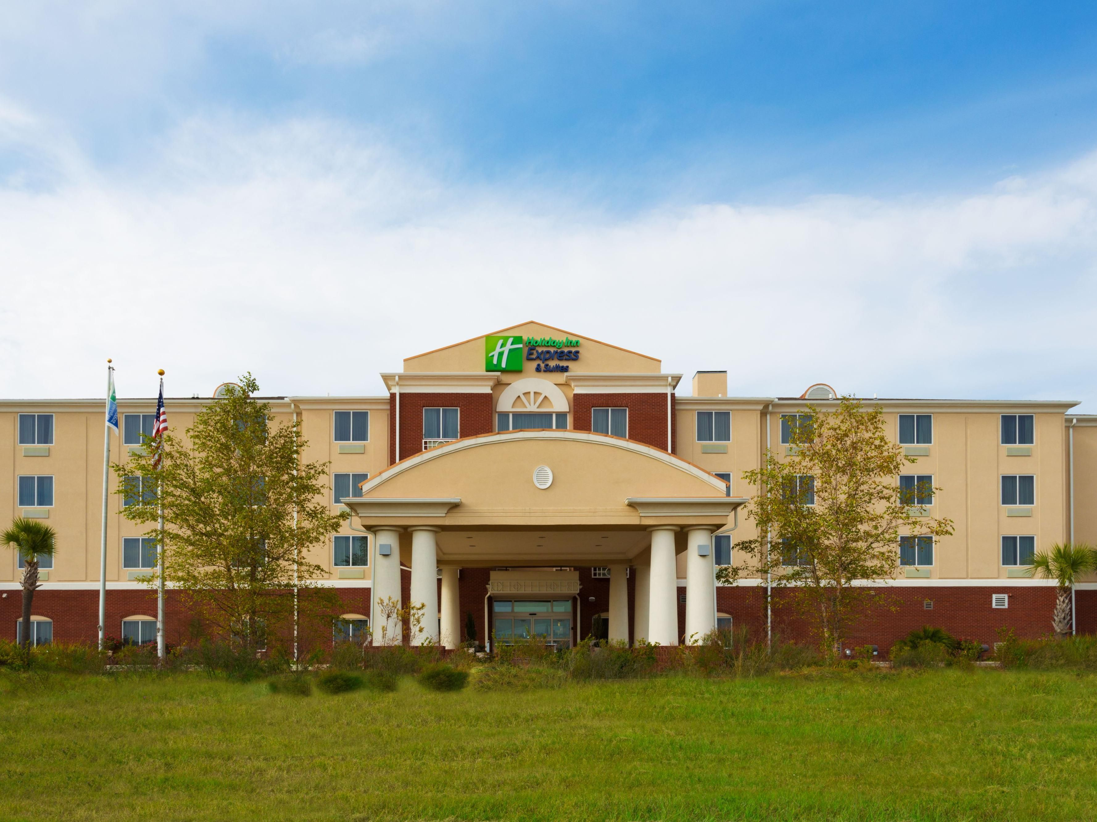 Pleasing Holiday Inn Express Suites Moultrie Hotel By Ihg Download Free Architecture Designs Embacsunscenecom