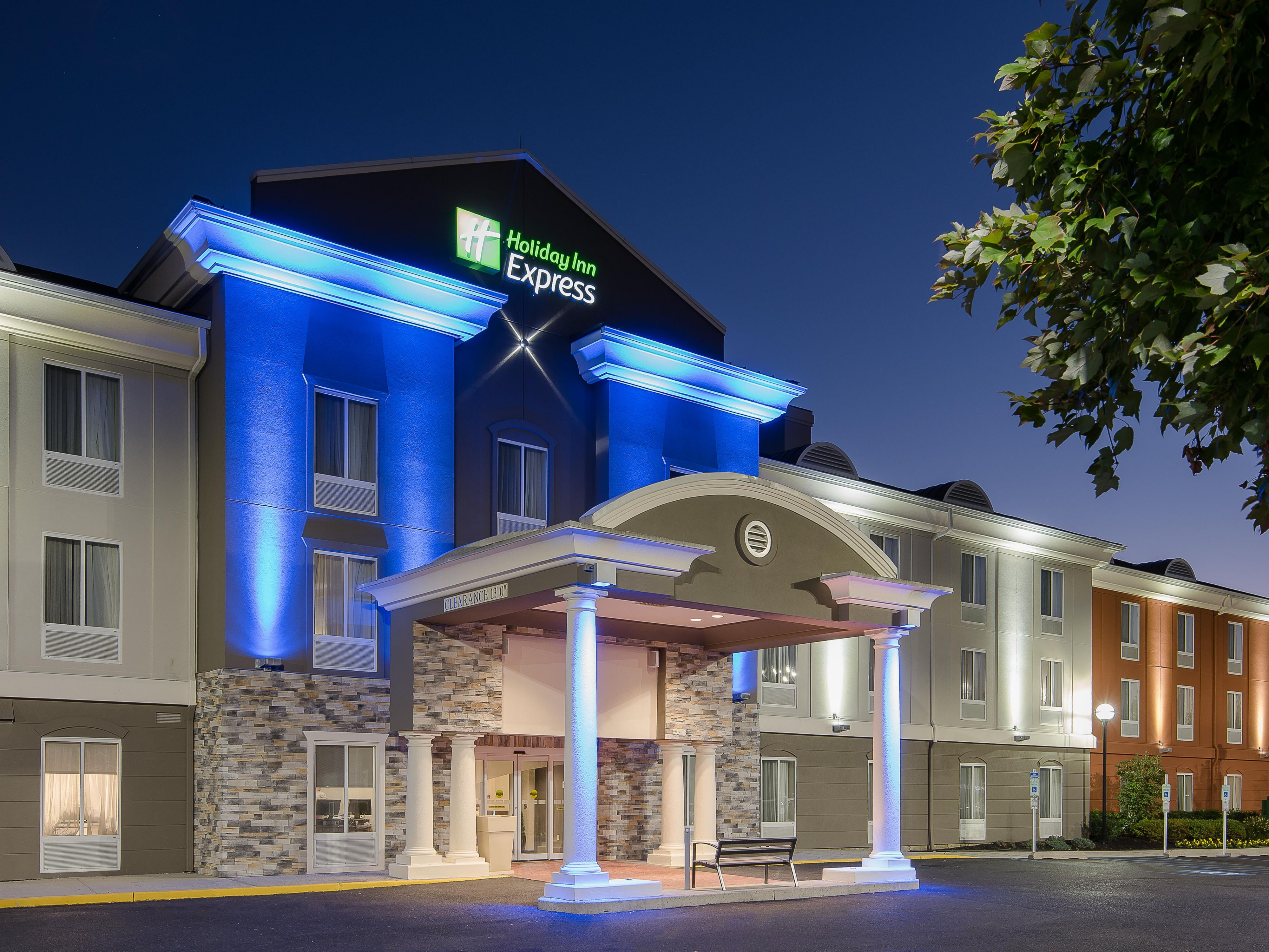 Holiday Inn Express U0026 Suites Philadelphia   Mt. Laurel Hotel By IHG