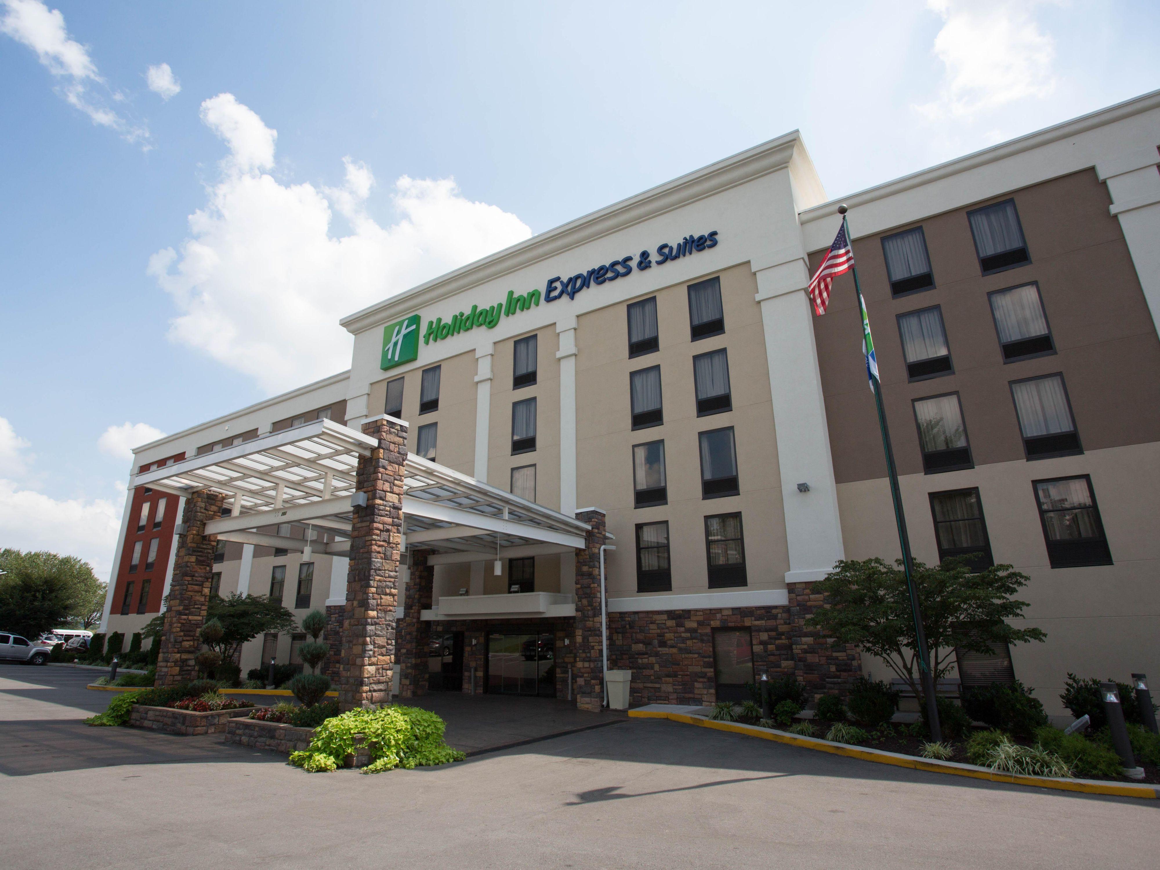 Hotels Near Nashville, TN Airport | Holiday Inn Express & Suites