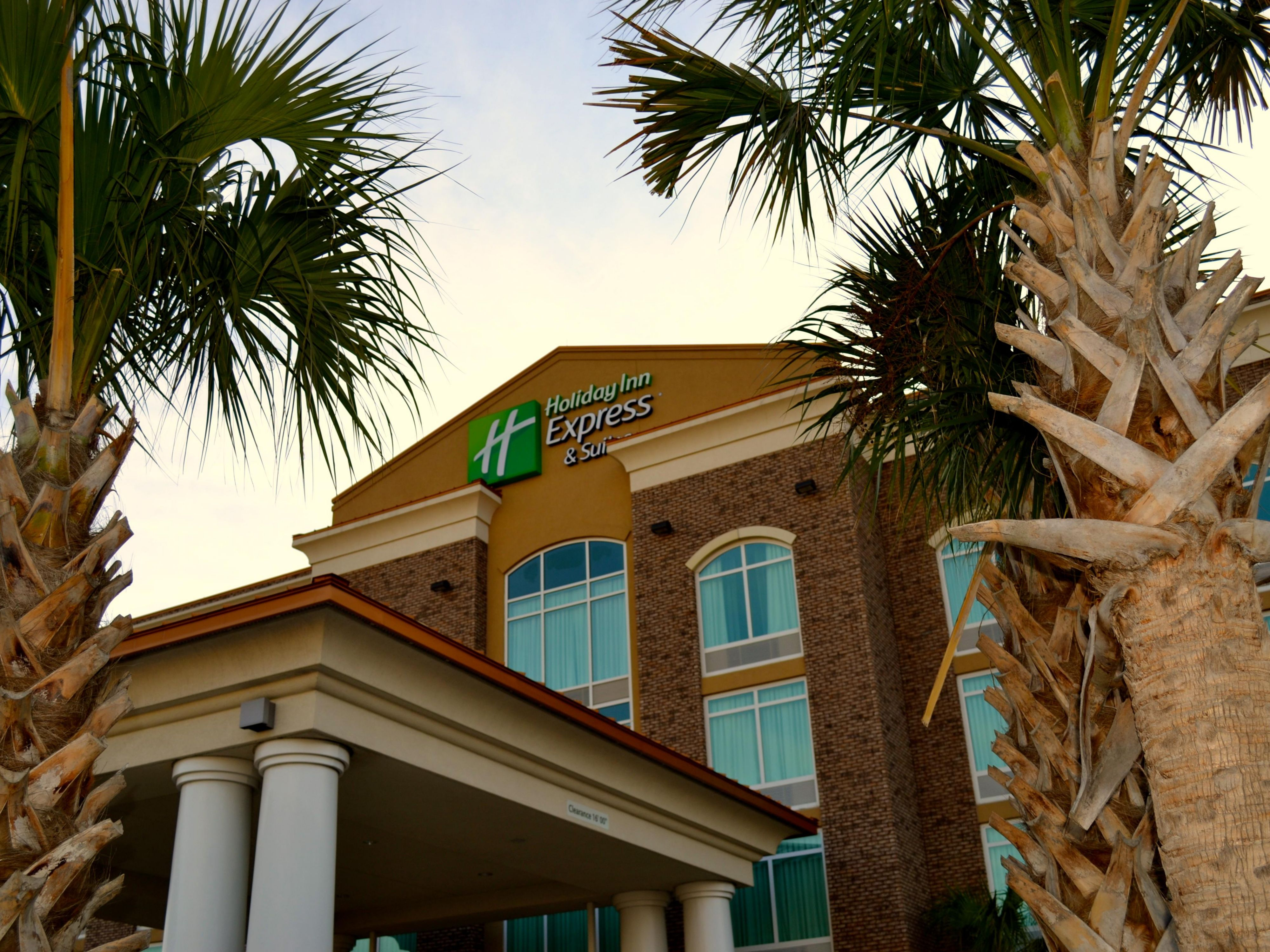 Holiday Inn Express & Suites Charleston Arpt-Conv Ctr Area Hotel by IHG