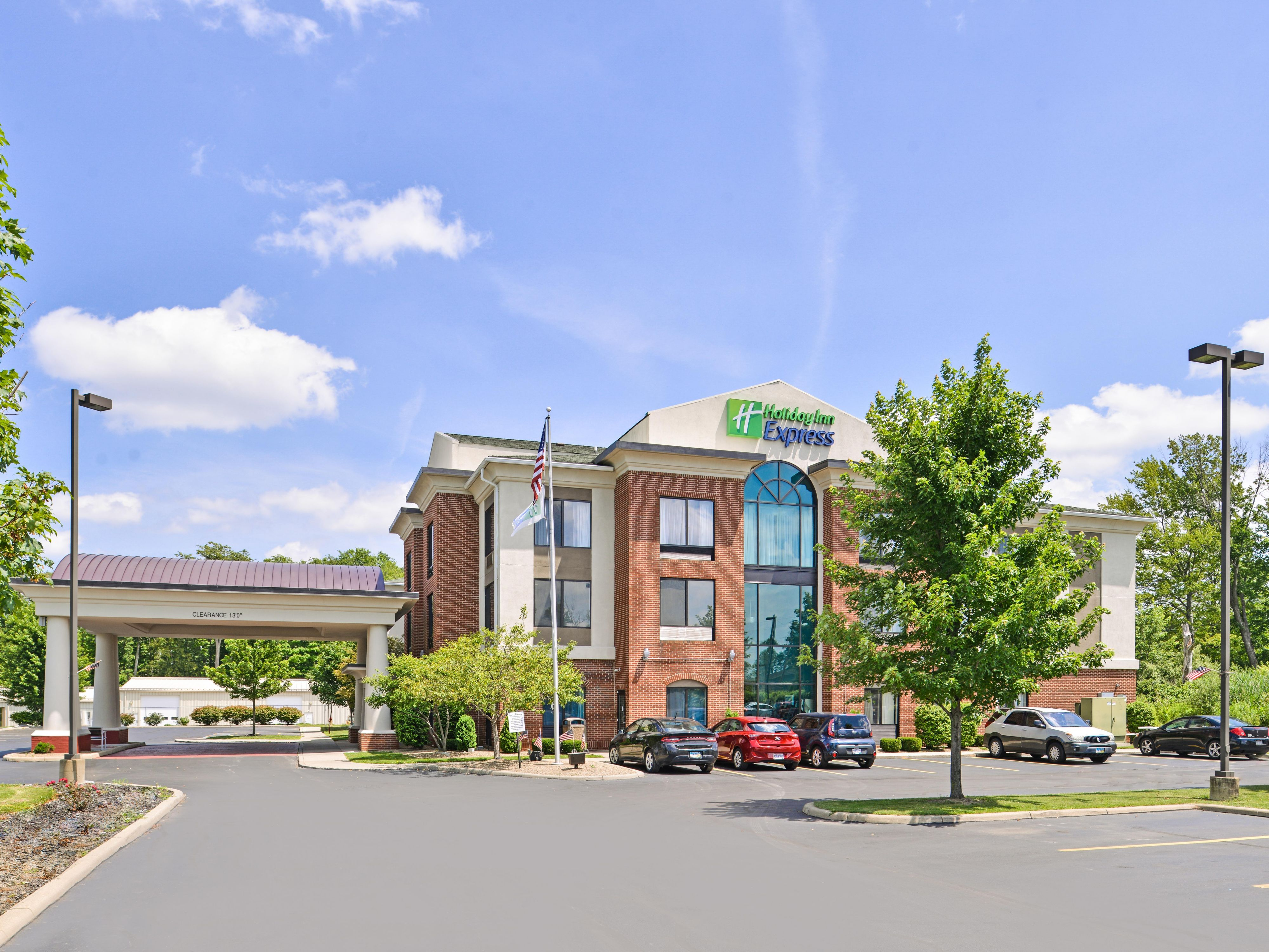 Holiday Inn Express Suites Youngstown N Lima Boardman Hotel By Ihg