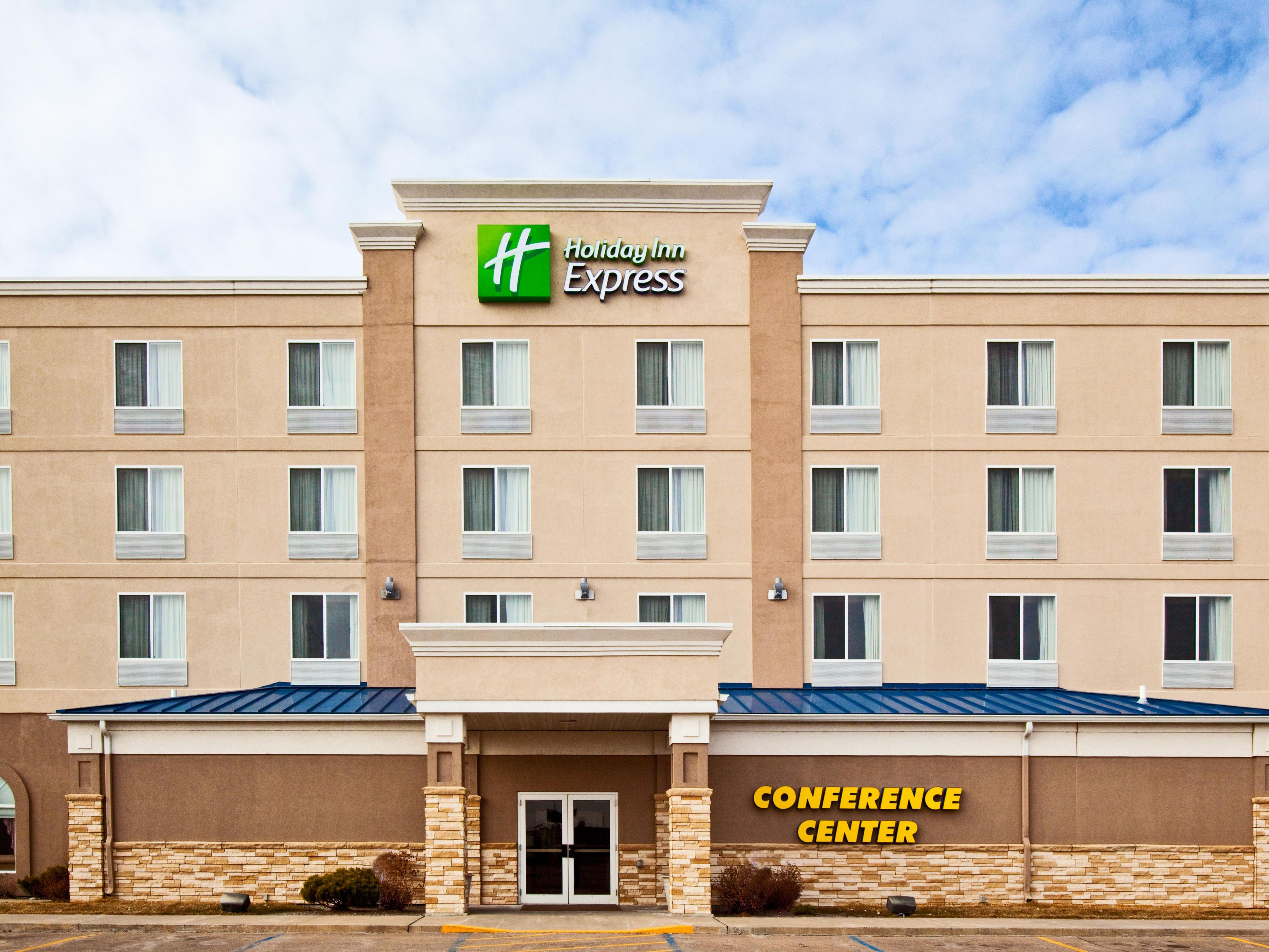 Holiday Inn & Suites North Platte & Conference Center Entrance