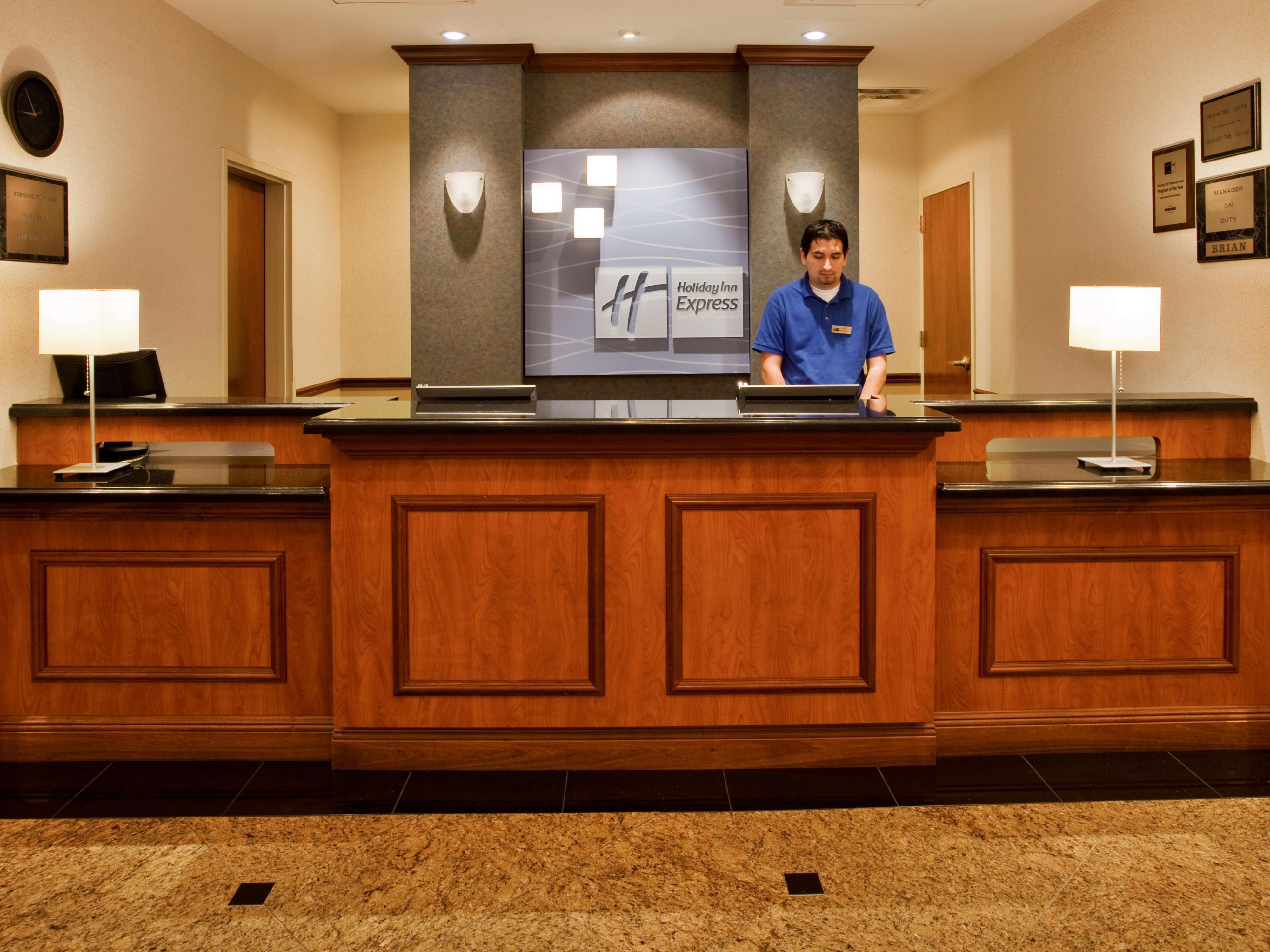 Holiday Inn Express Lake Okeechobee Front Desk Lobby