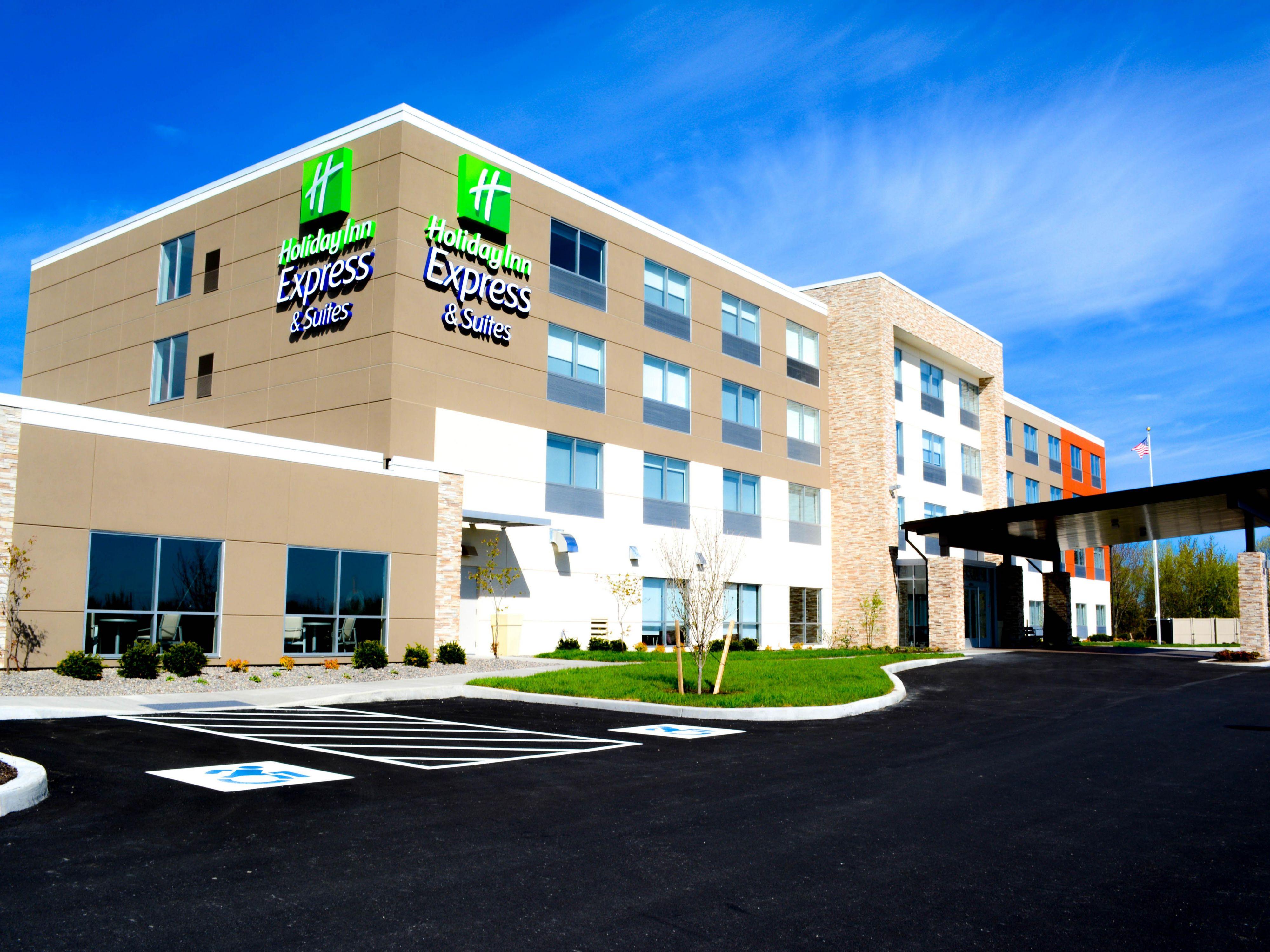 Holiday Inn Express Suites Oswego