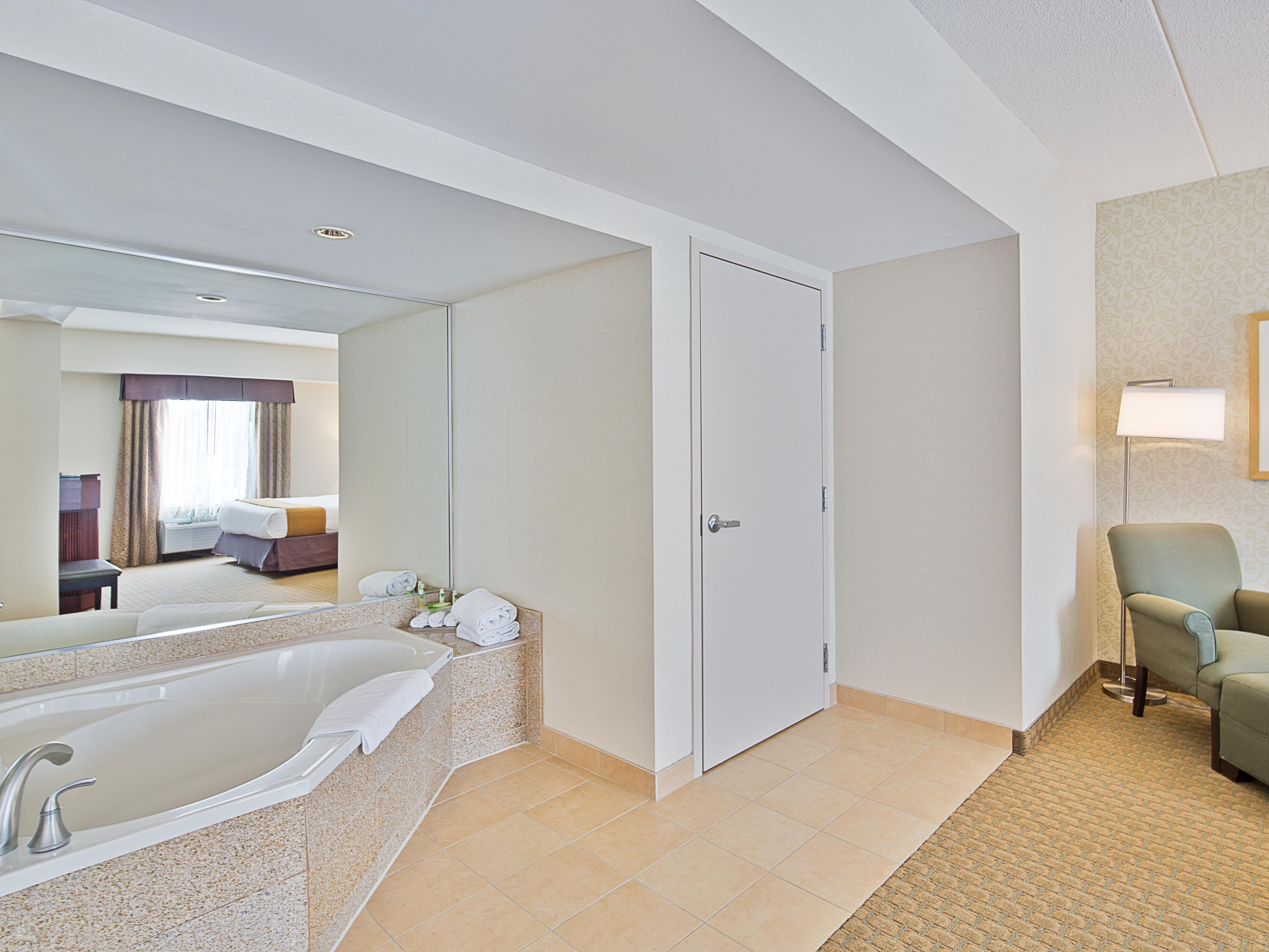 Spacious Presidential Suite