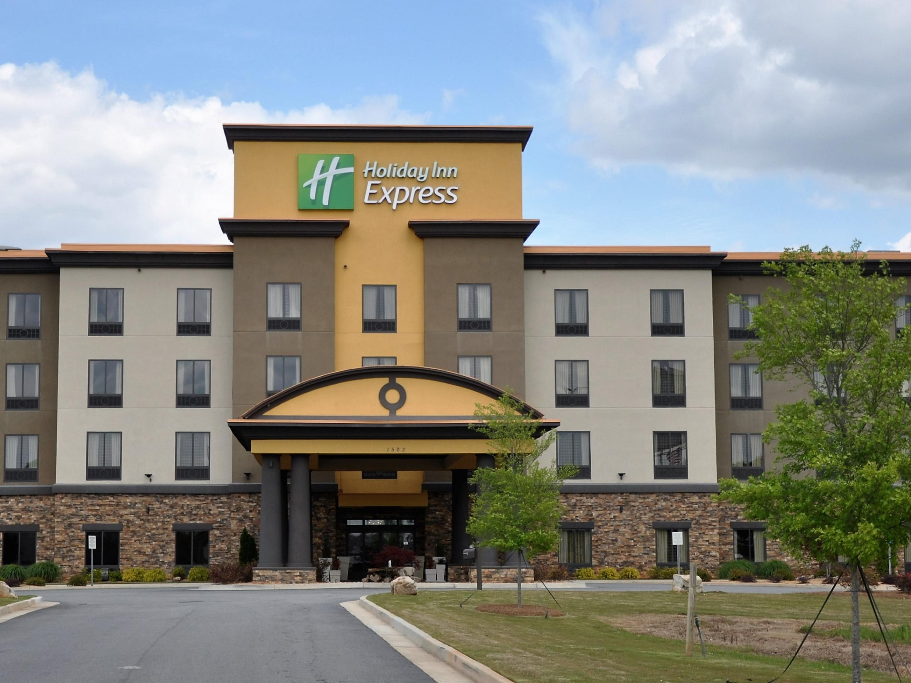 Holiday Inn Express & Suites Perry-National Fairground Area