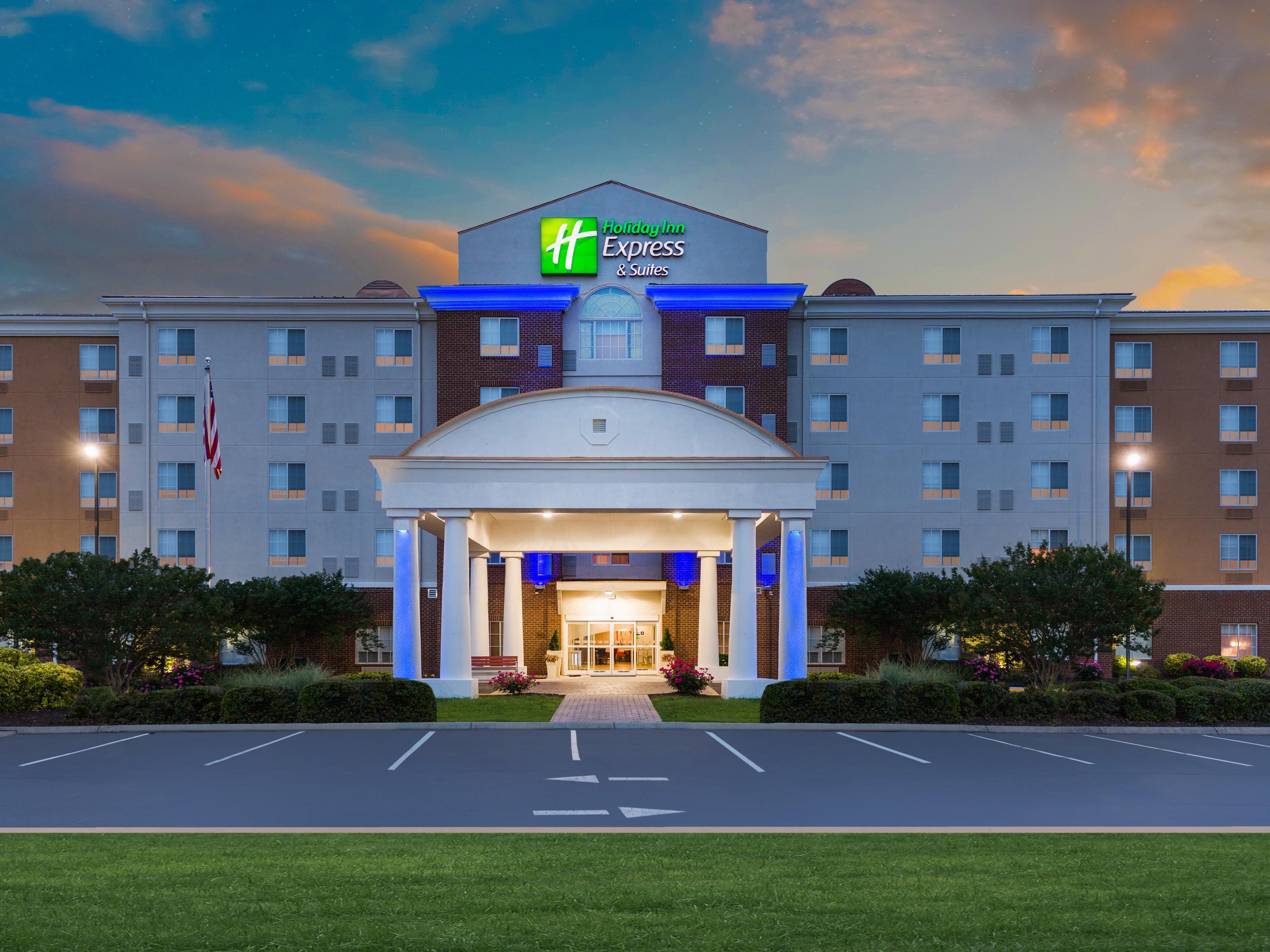 Holiday Inn Express & Suites Petersburg-Fort Lee Hotel by IHG