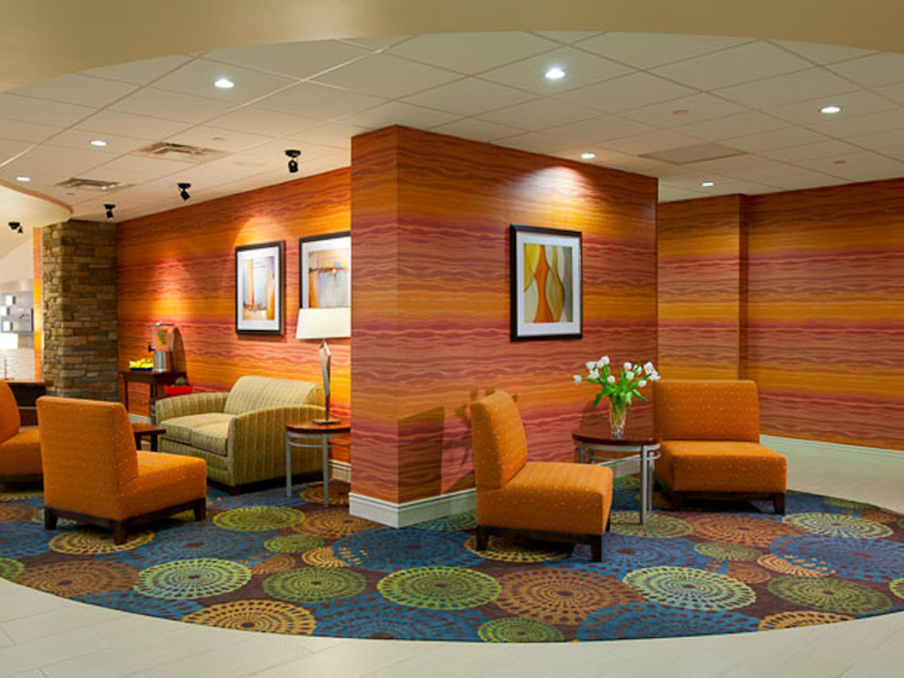 Holiday Inn Express Pittsburgh West Green Tree Upper Lobby Seating