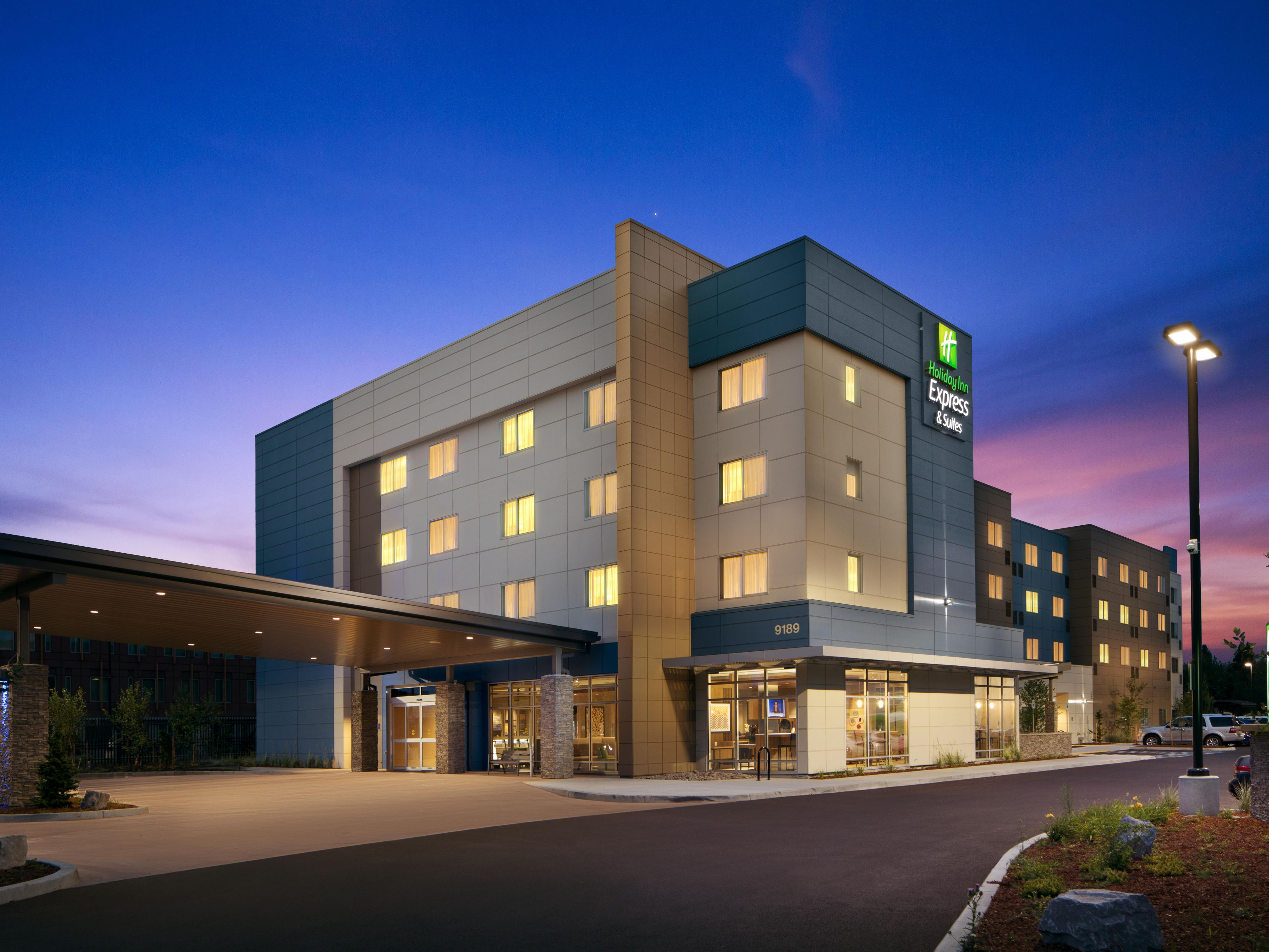 Holiday Inn Express Suites Portland Airport Cascade Stn Hotel In By Ihg