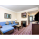 Holiday Inn Express & Suites Raceland Hwy90 King Suite living area