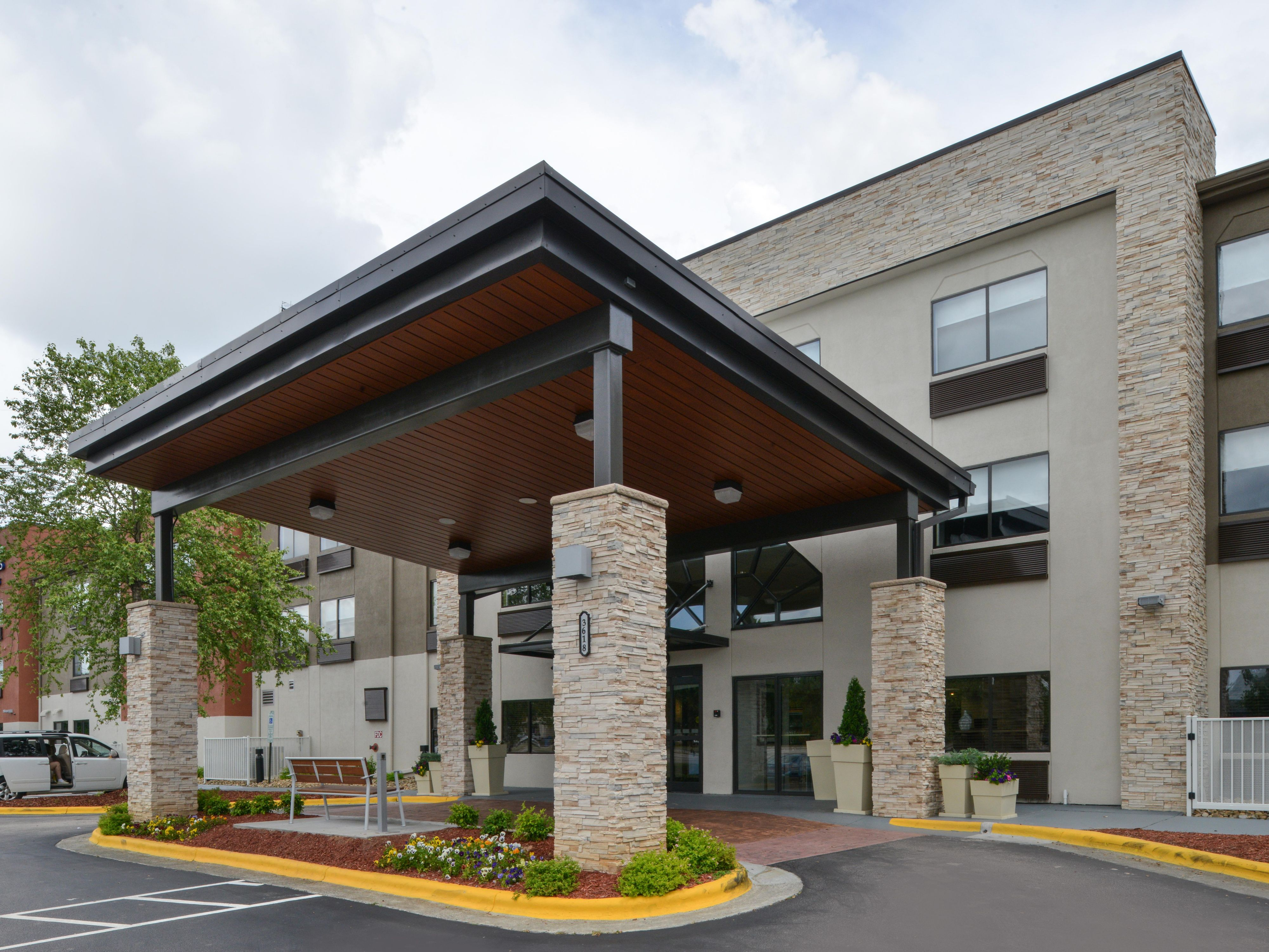 Holiday Inn Express Suites Raleigh Ne Medical Ctr Area Hotel By Ihg