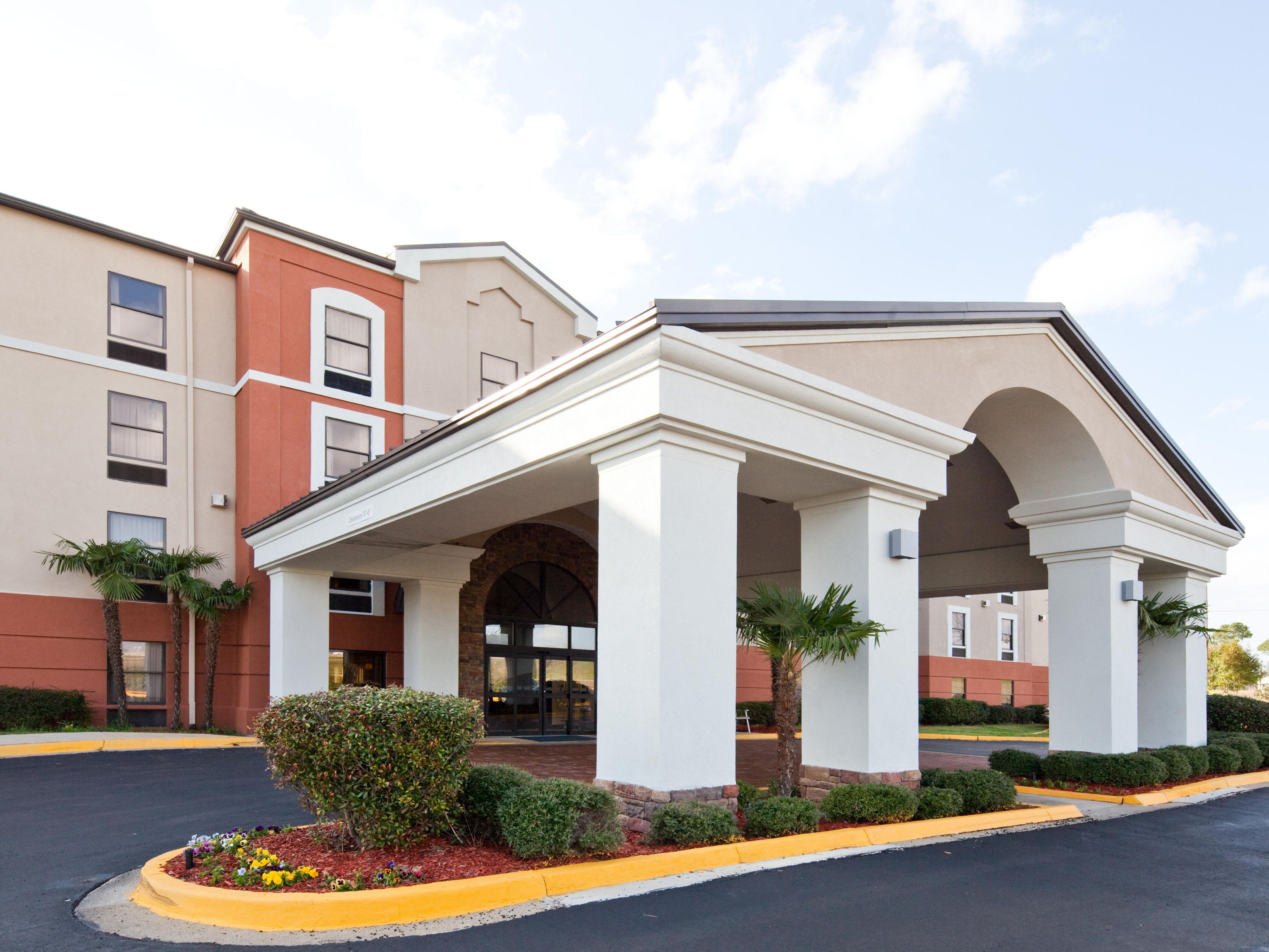 Hotels in ridgeland mississippi holiday inn express ihg reheart Gallery