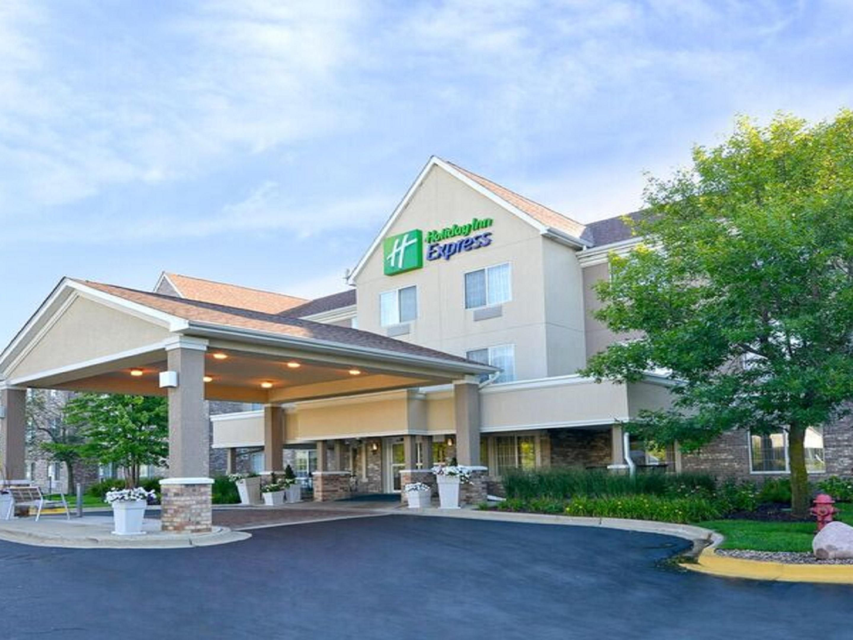 Holiday Inn Express Suites Chicago Deerfield Lincolnshire Hotel By Ihg