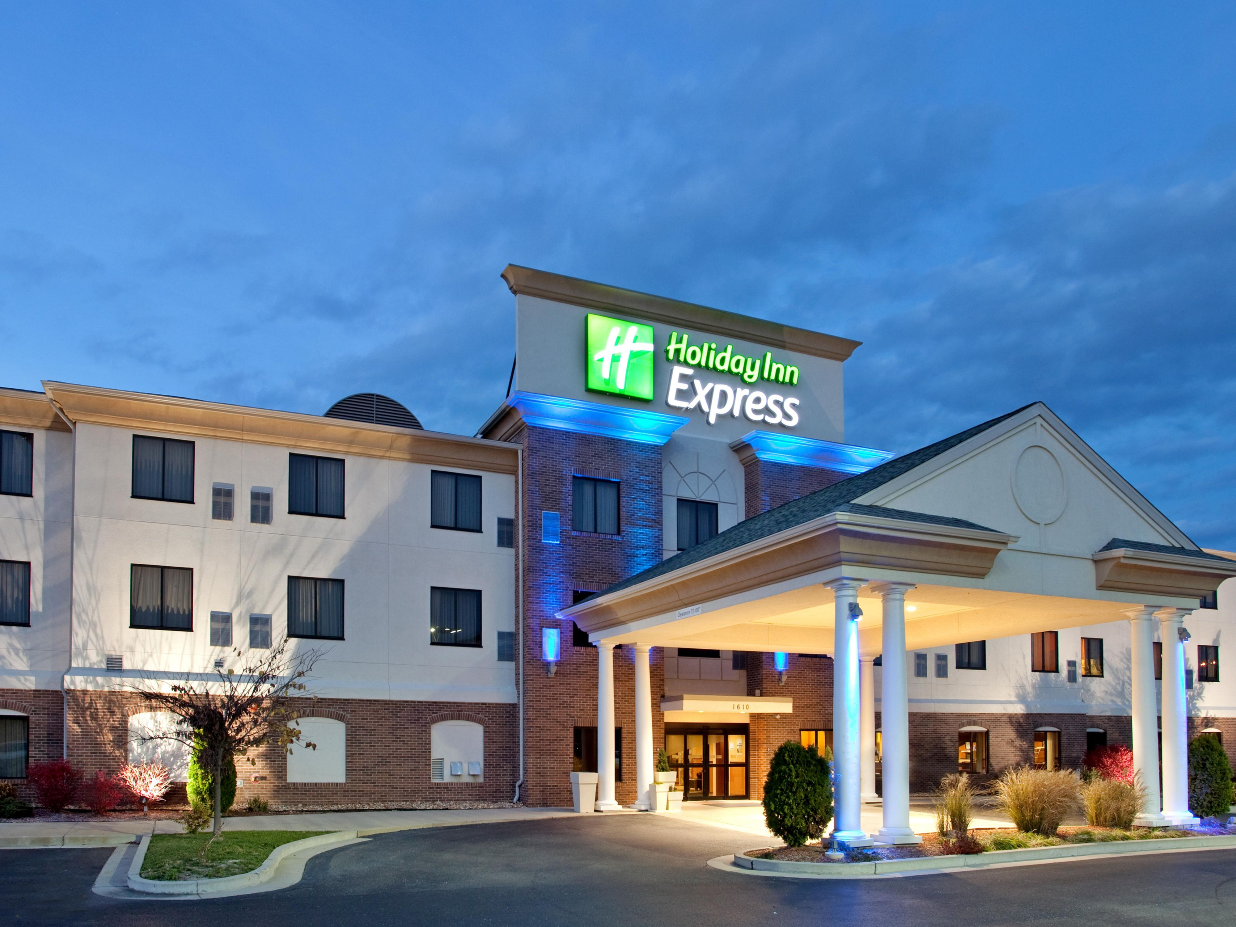 Hotel In Rolla Mo Holiday Inn Express Suites Rolla Mu