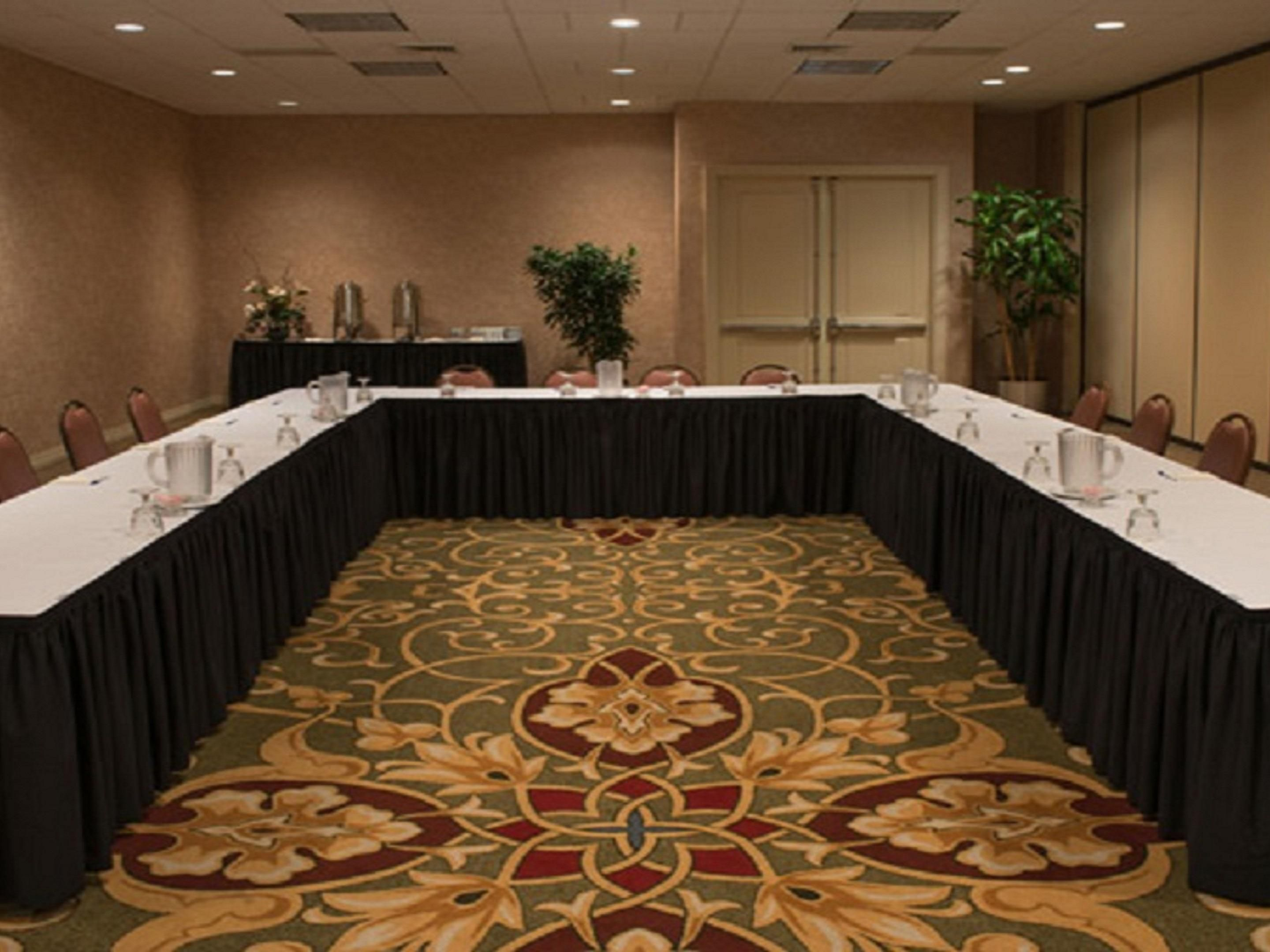 Holiday Inn Express Salon Meeting Room