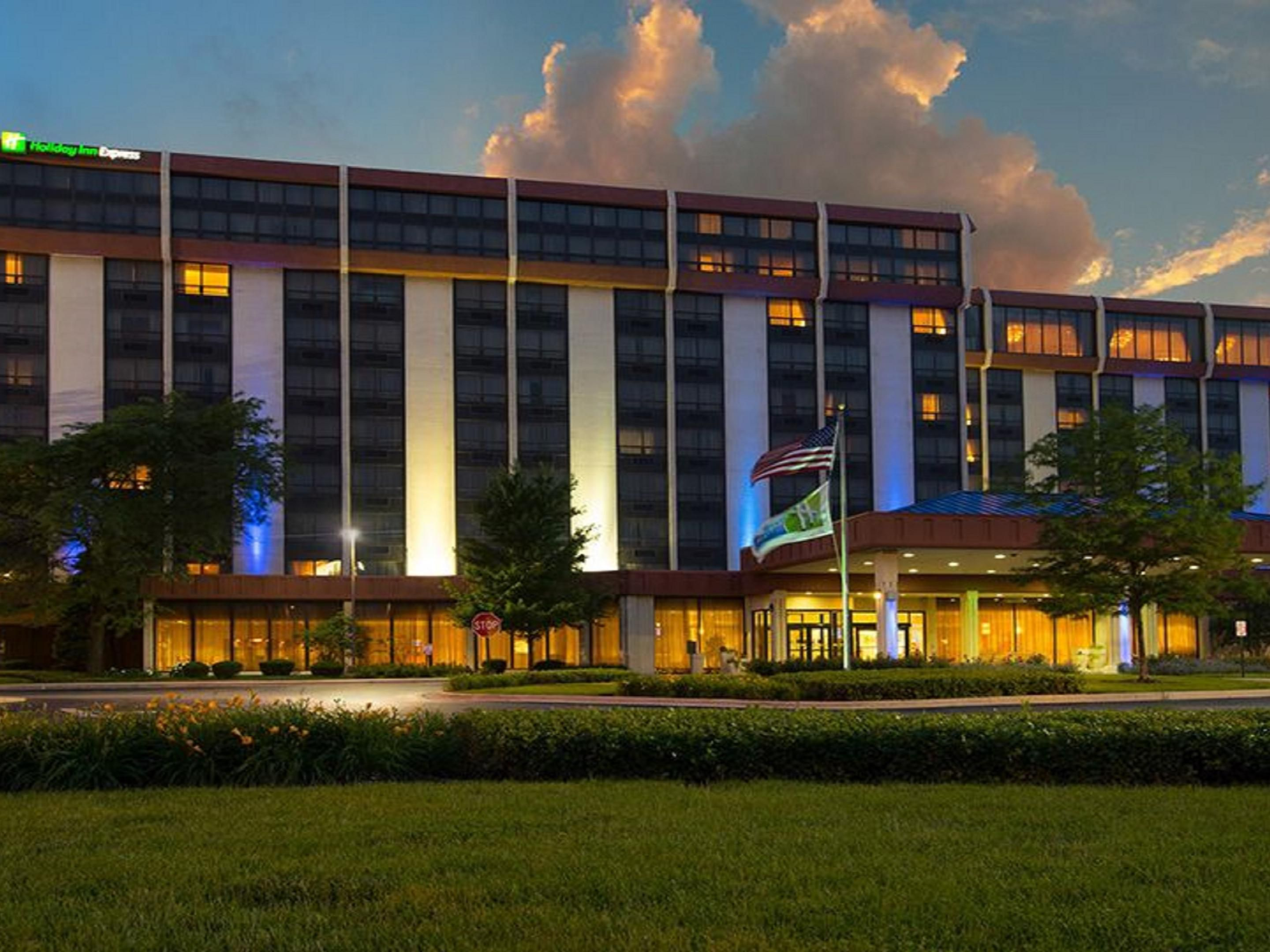 Holiday Inn Express Hotel & Suites O'Hare