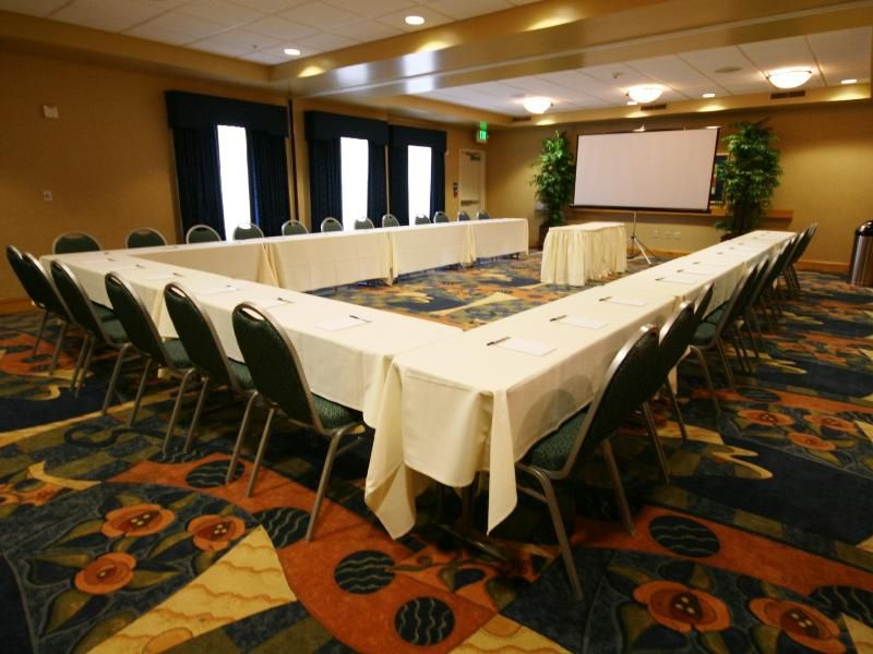 Sacramento Airport Hotel Meeting Room & Banquet Room