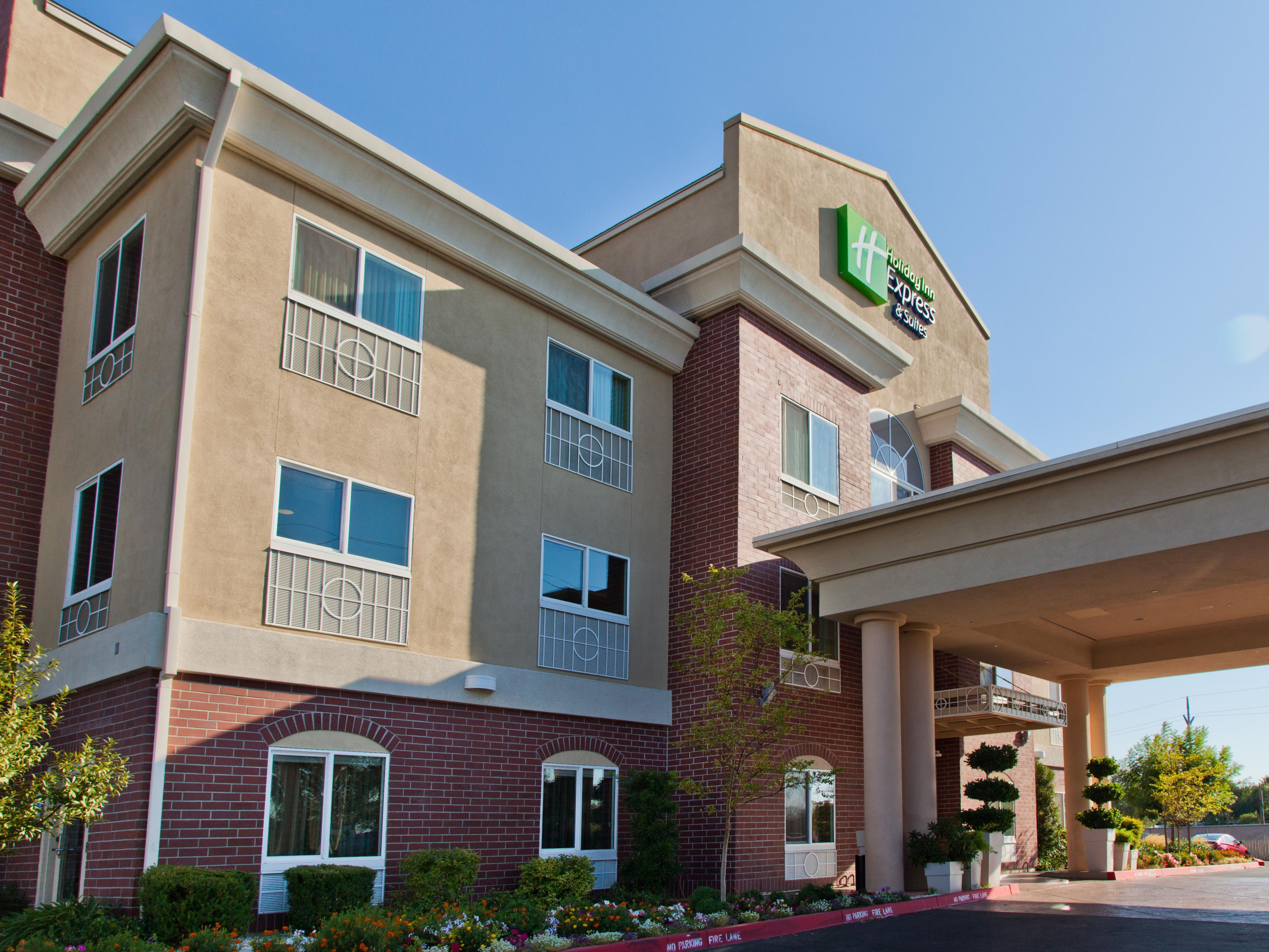 Holiday Inn Express & Suites Sacramento NE Cal Expo