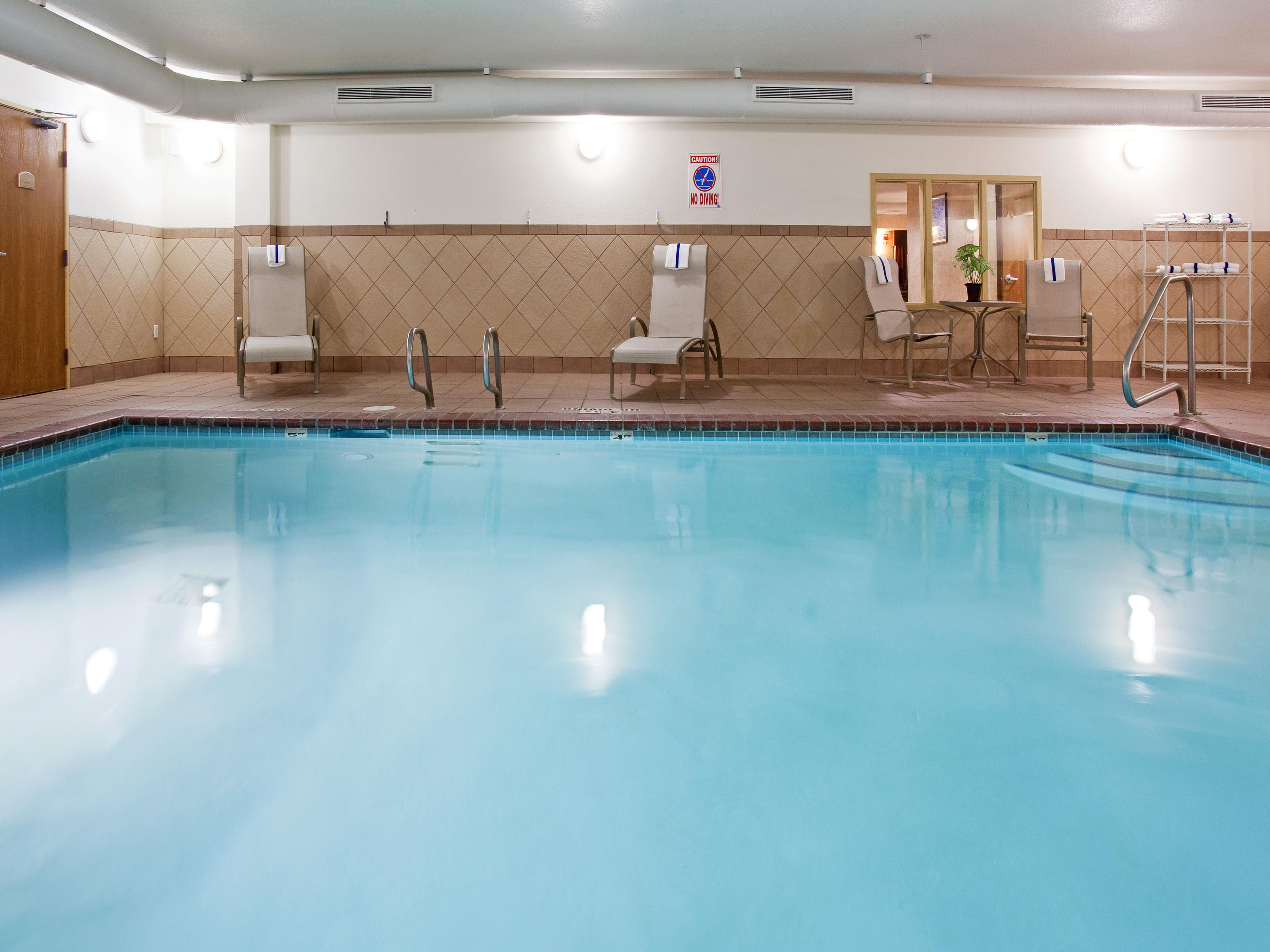 Indoor heated Swimming Pool & Whirlpool Spa, open 24 hours