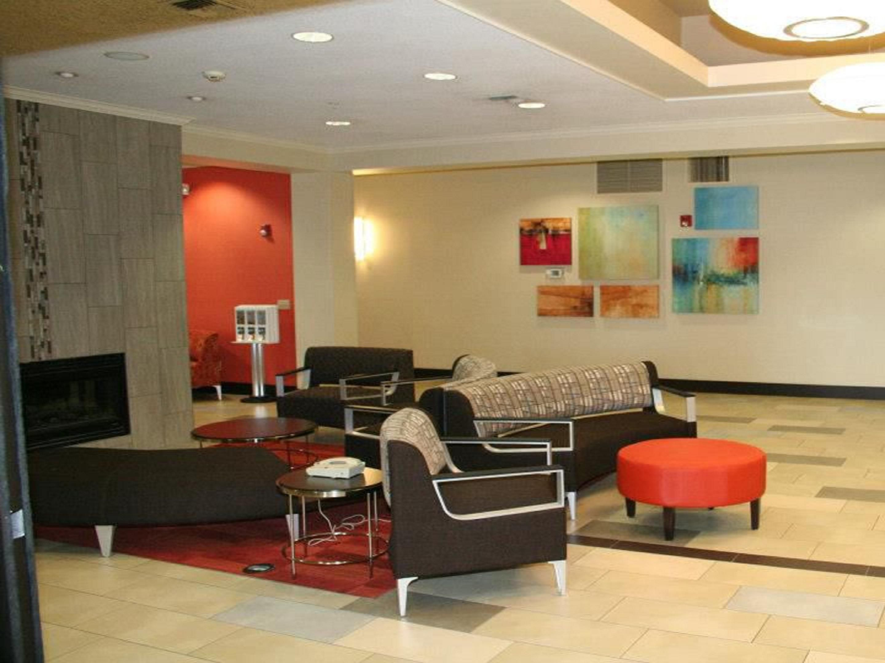 Lobby Lounge Area features Complimentary High Speed WIFI