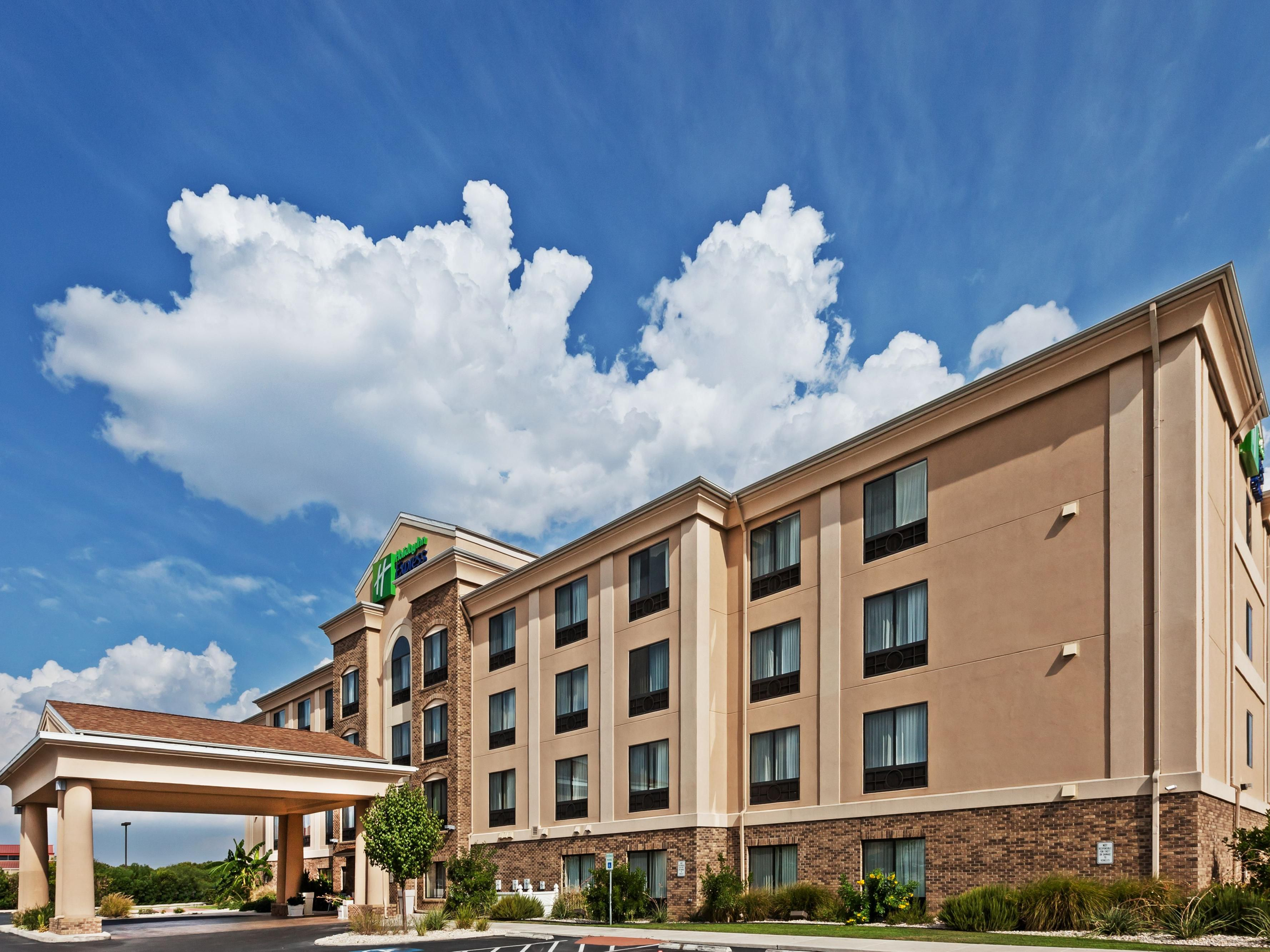 Welcome to the Holiday Inn Express Selma