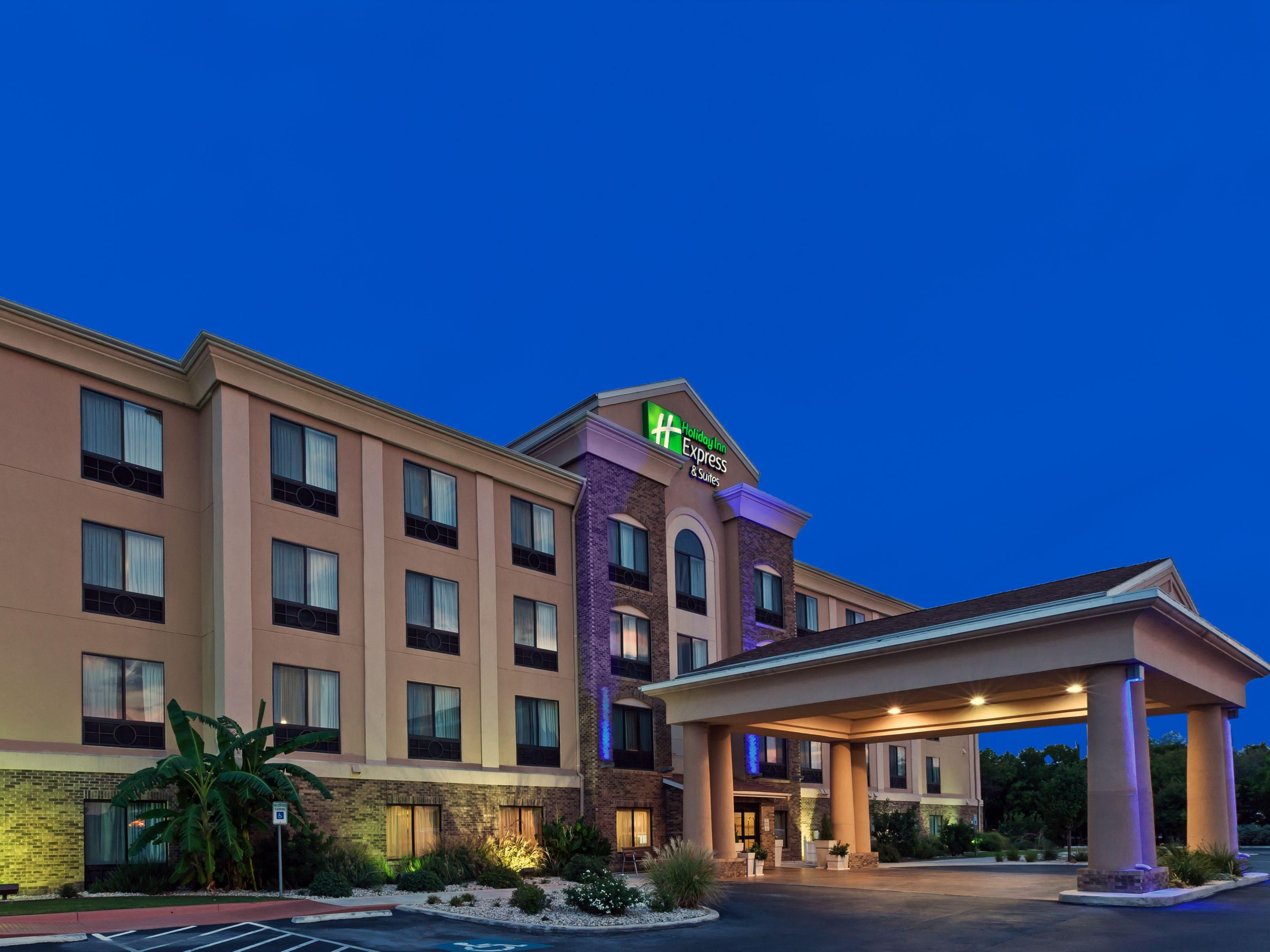 Holiday Inn Express Selma at dusk