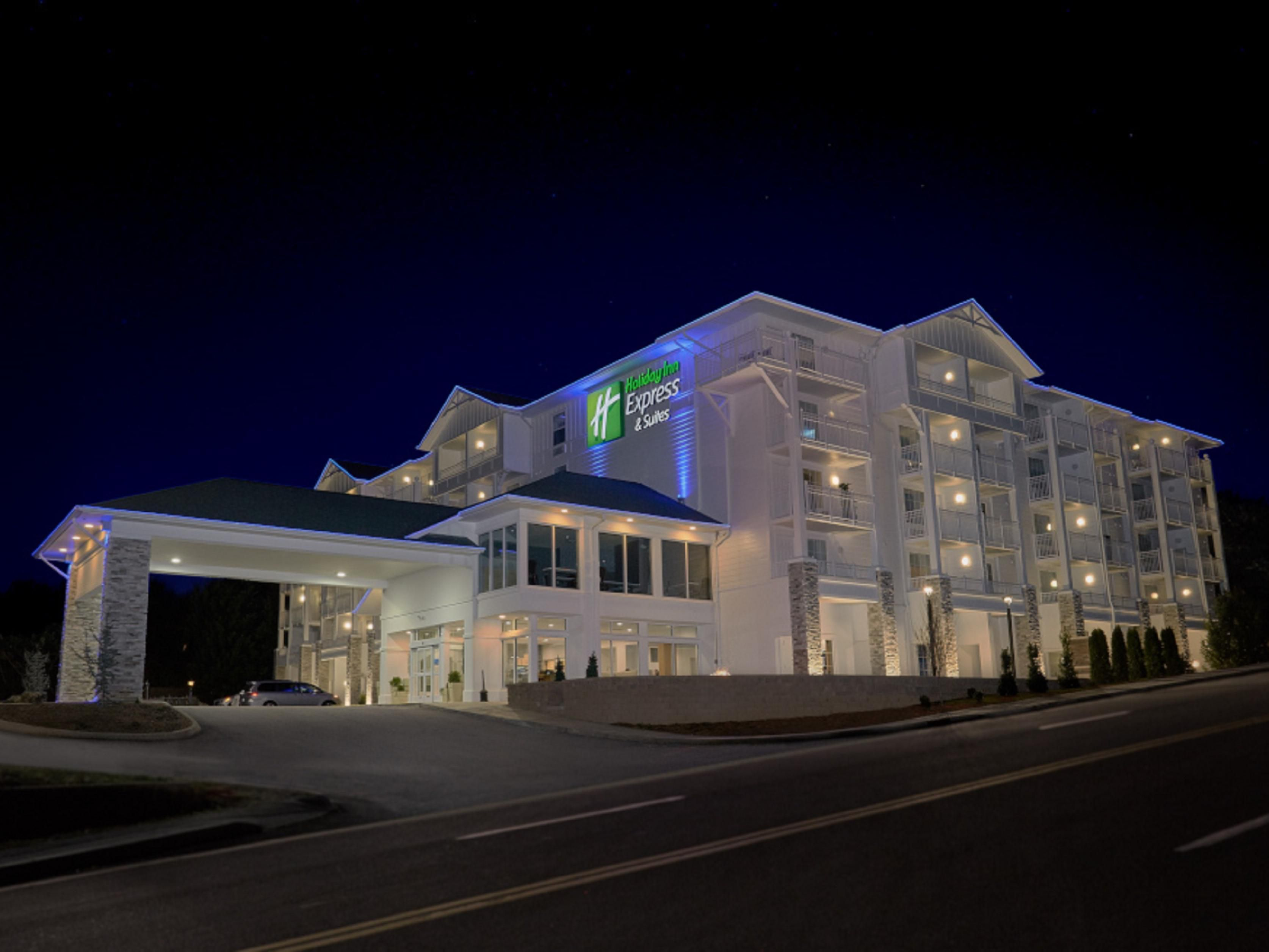 Sevierville, TN Hotels | Holiday Inn Express & Suites Pigeon Forge - Sevierville