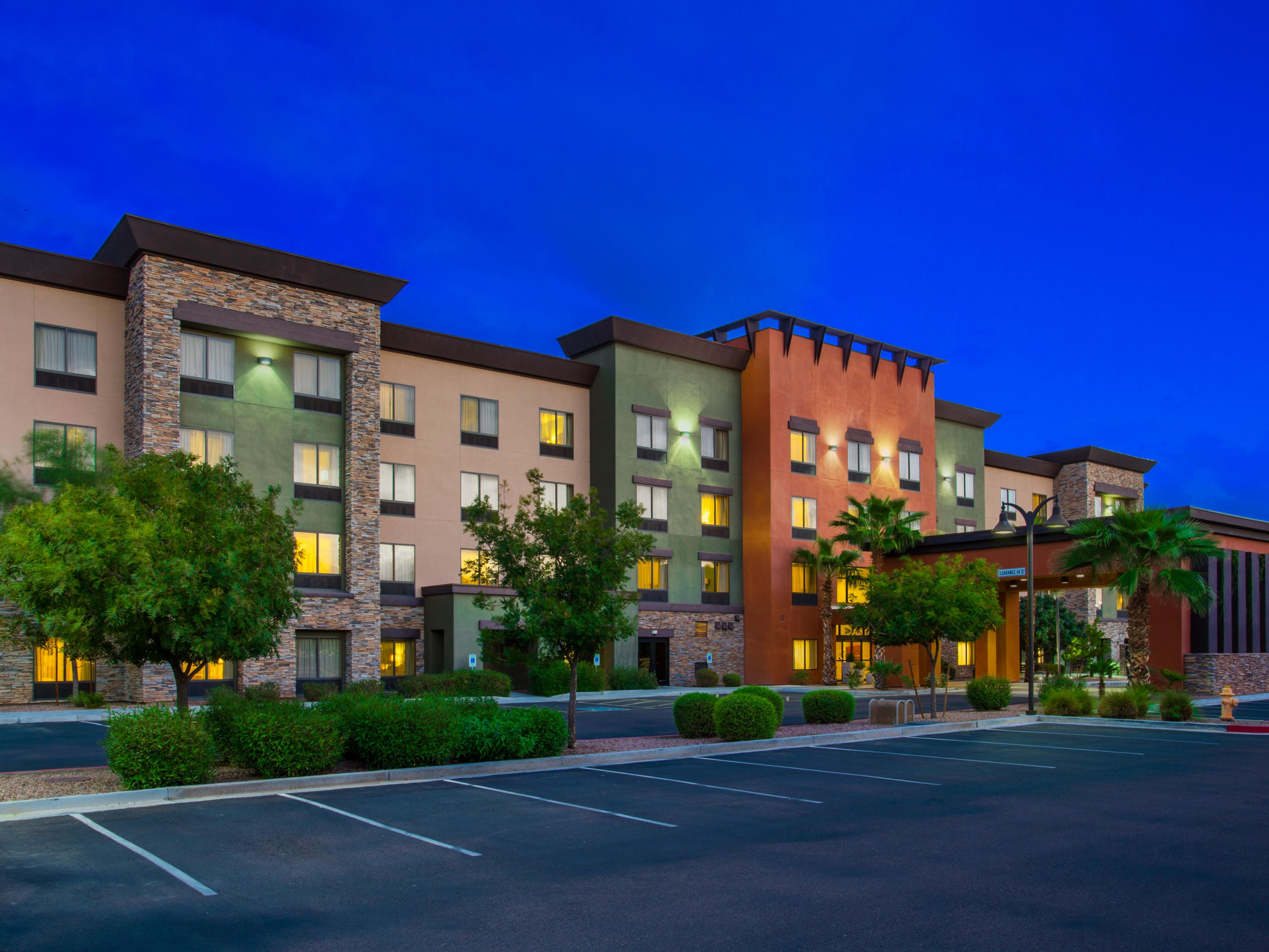 Holiday Inn Express Suites Surprise In Glendale Arizona