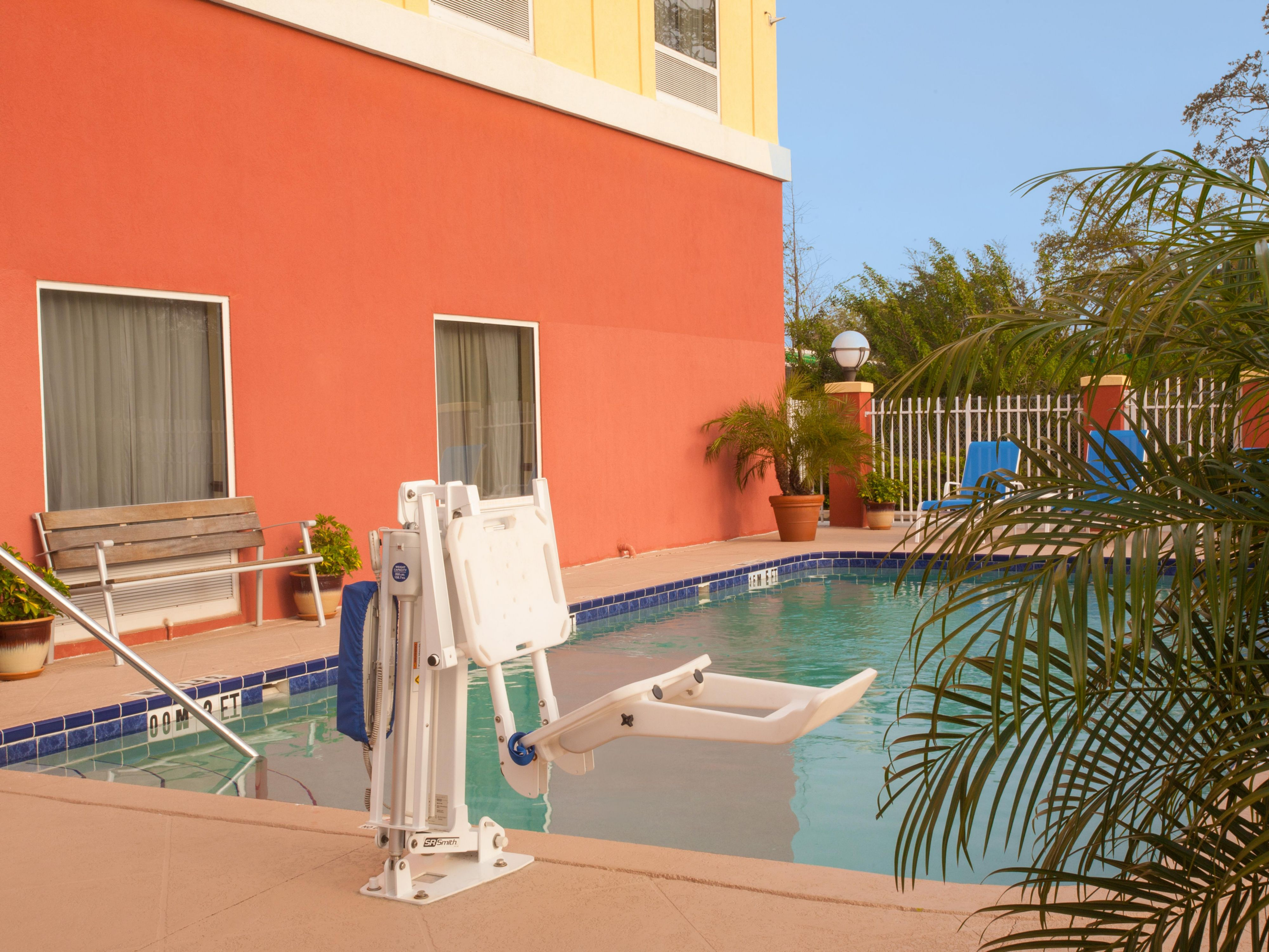 ADA/Handicapped accessible Swimming Pool Lift