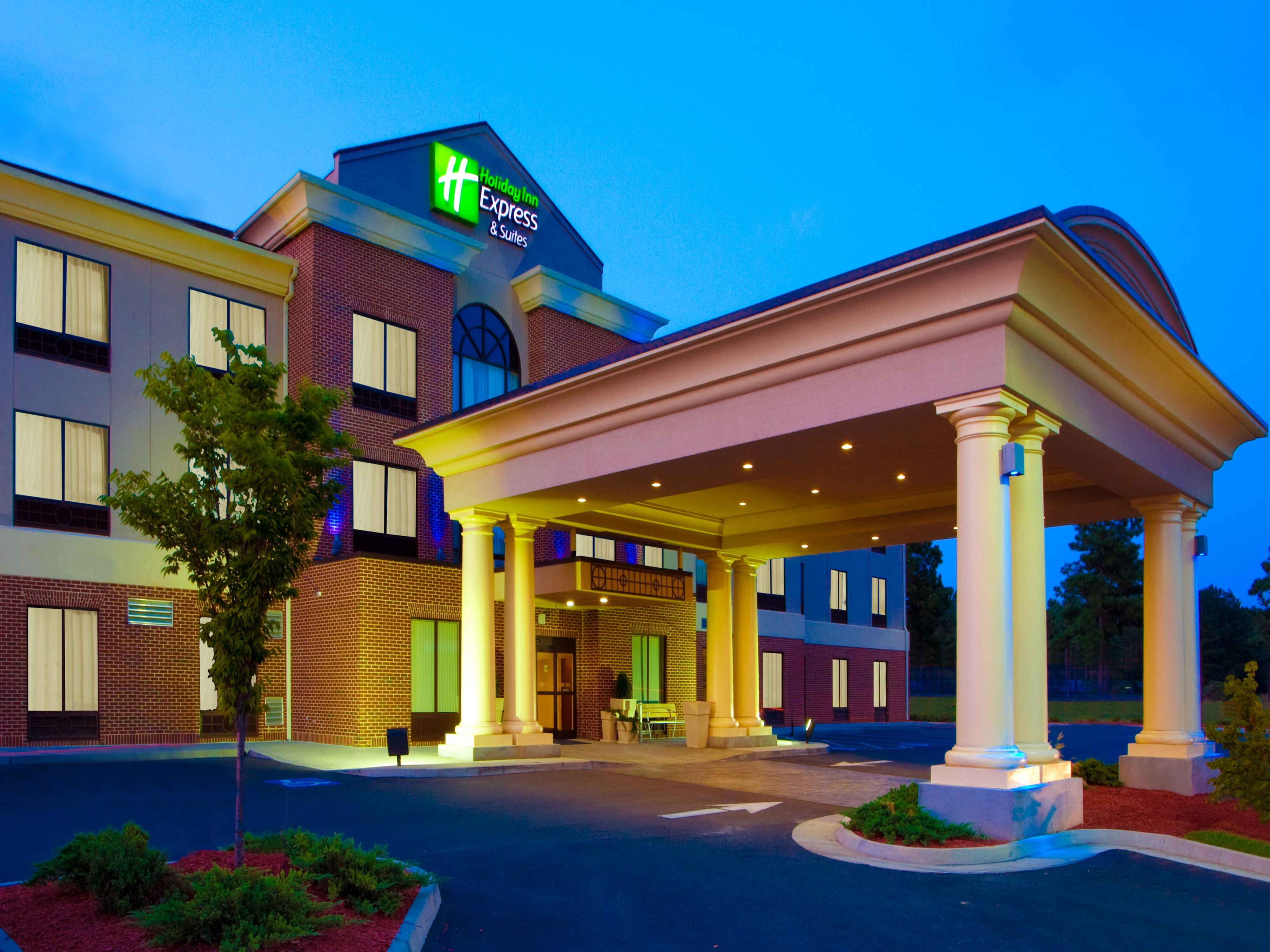 Holiday Inn Express & Suites Tappahannock