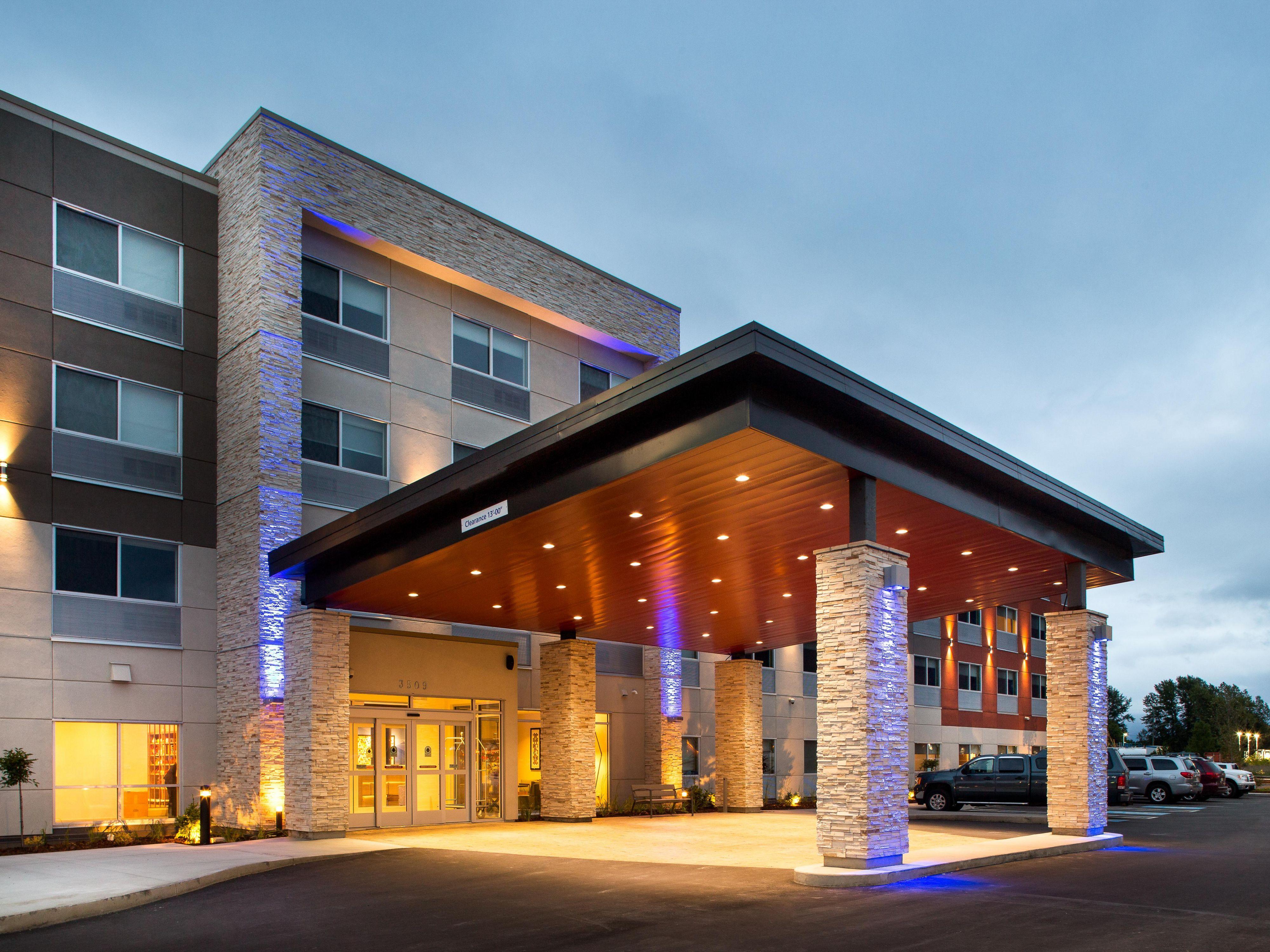& Holiday Inn Express u0026 Suites Terrace Hotel by IHG