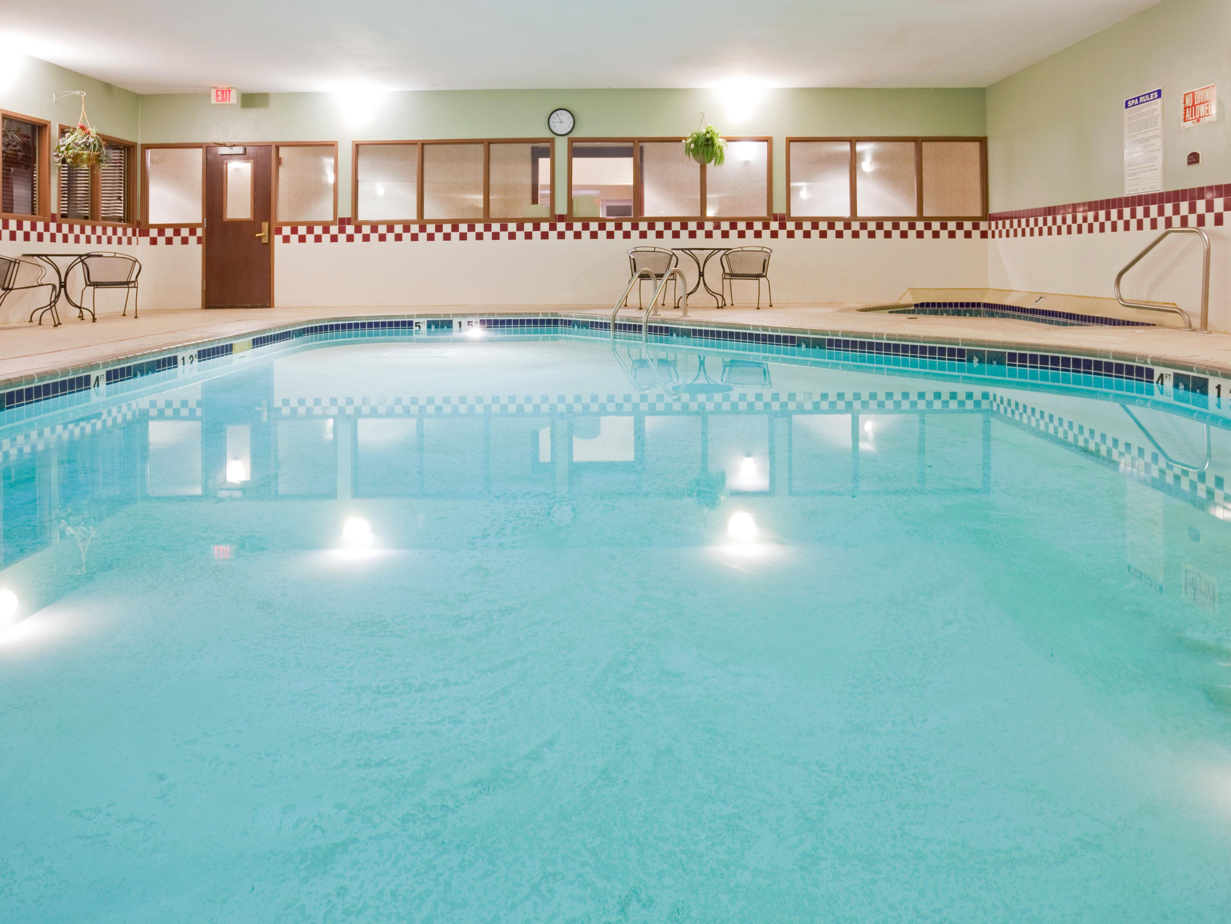 Swimming Pool at the Holiday Inn Express & Suites Vadnais Heights