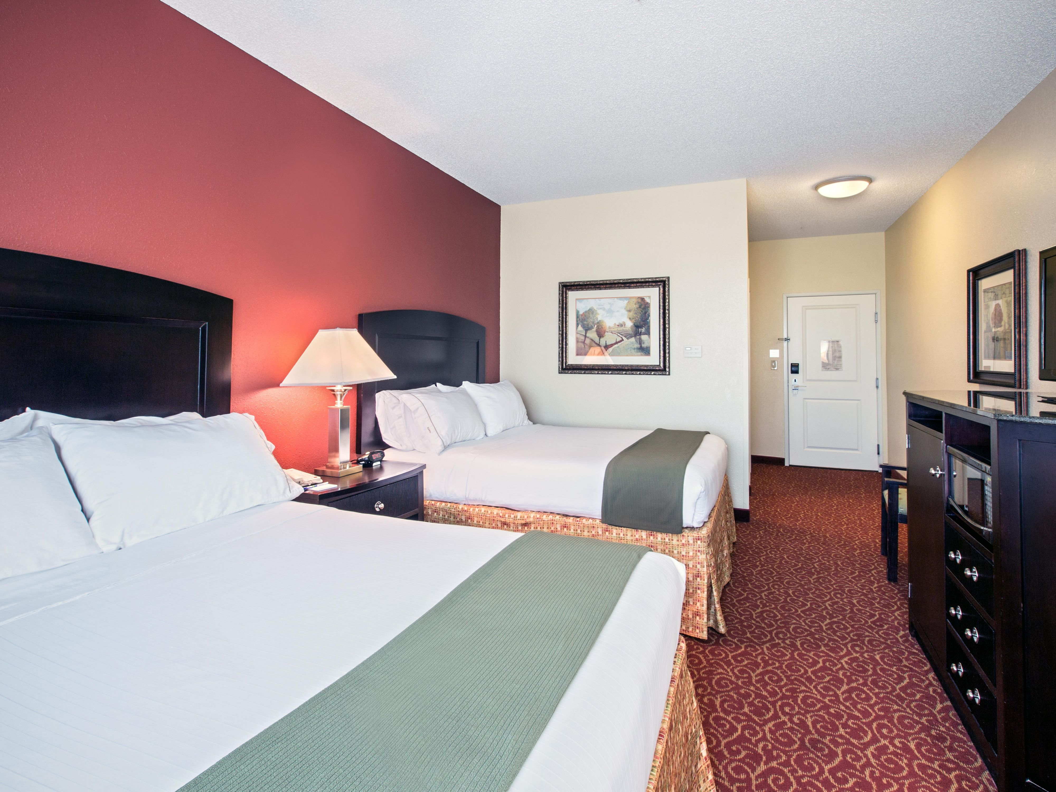 Convenient Two Queen Leisure Guest Room