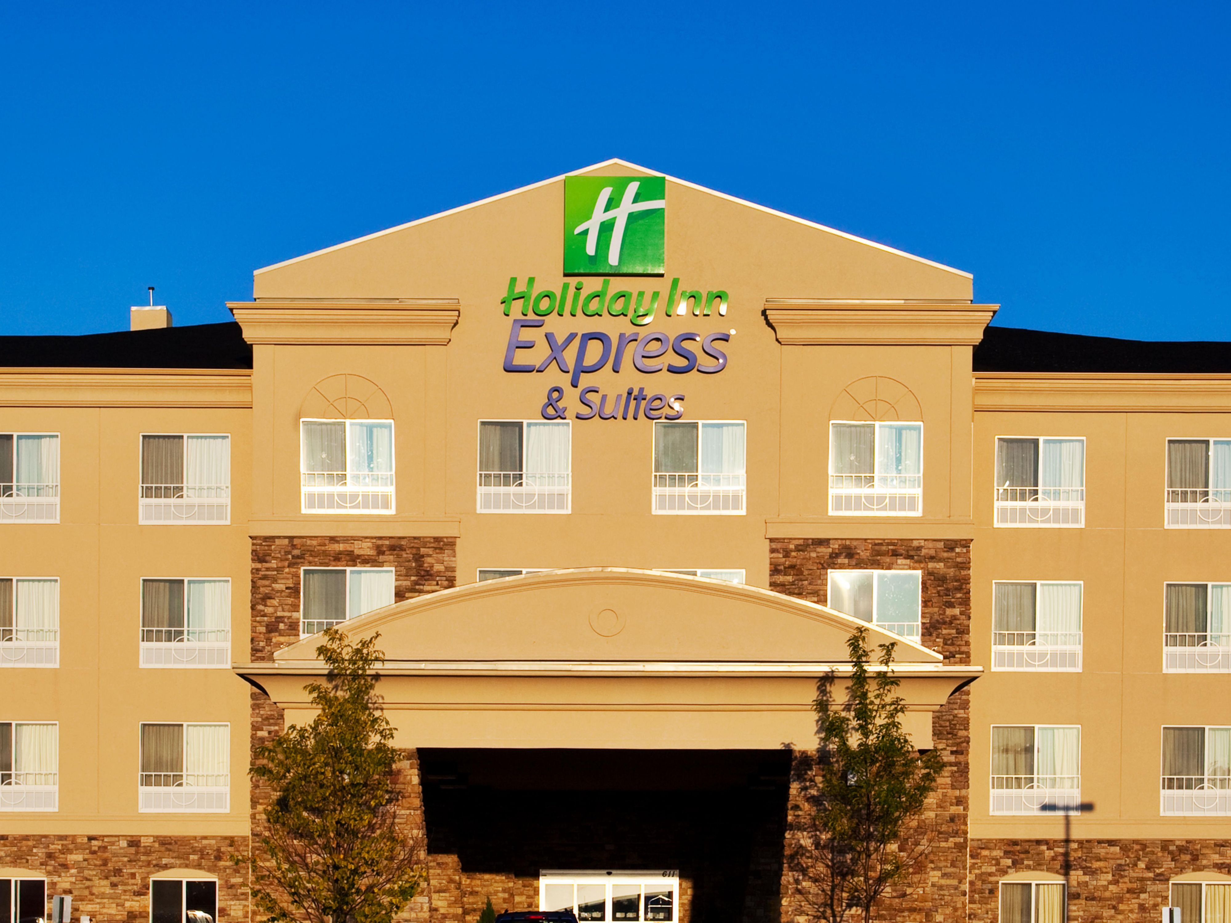 Holiday Inn Express Suites Chicago North Waukegan Gurnee Hotel By Ihg