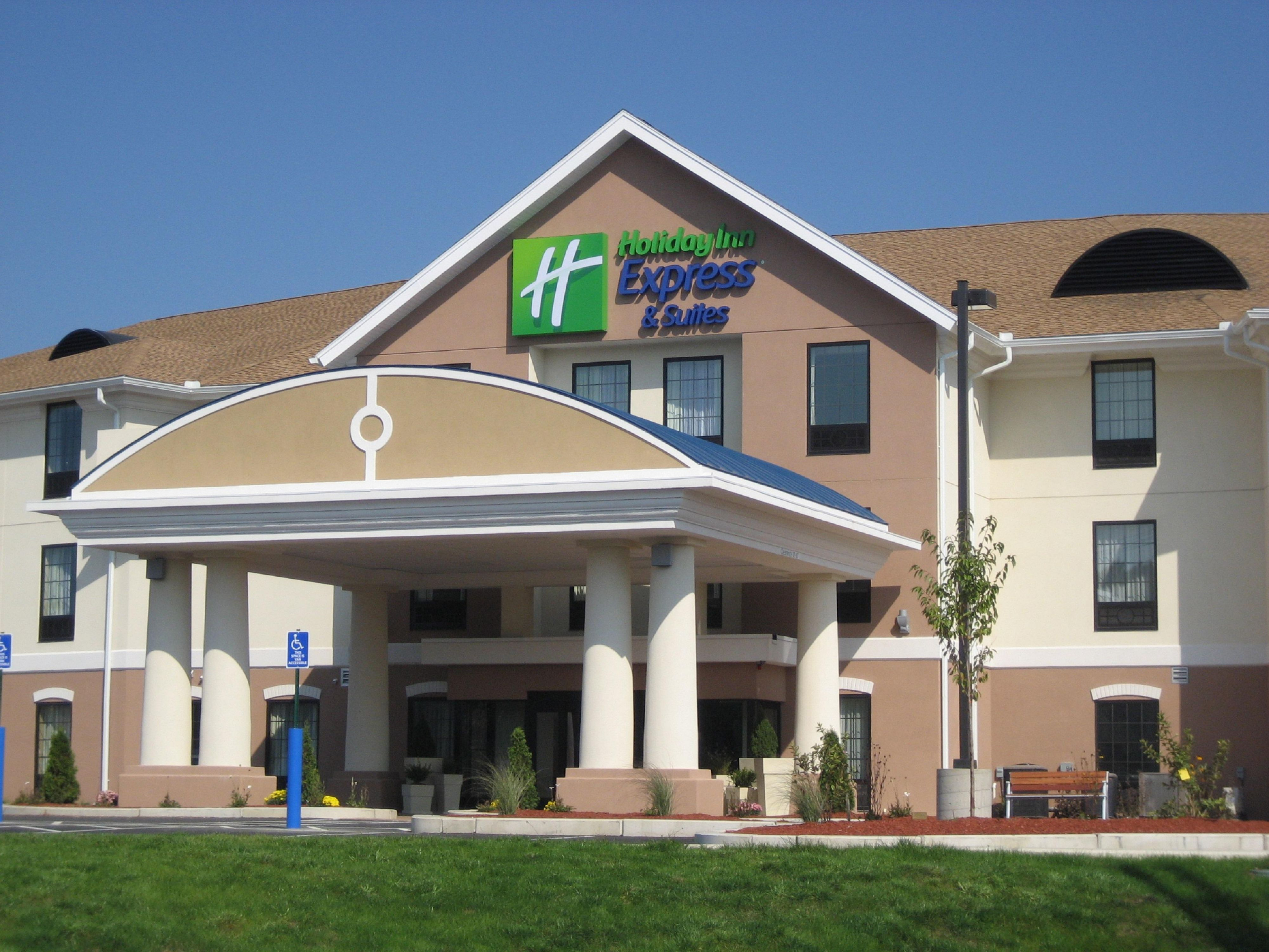 Welcome to the Holiday Inn Express &  Suites Westfield!