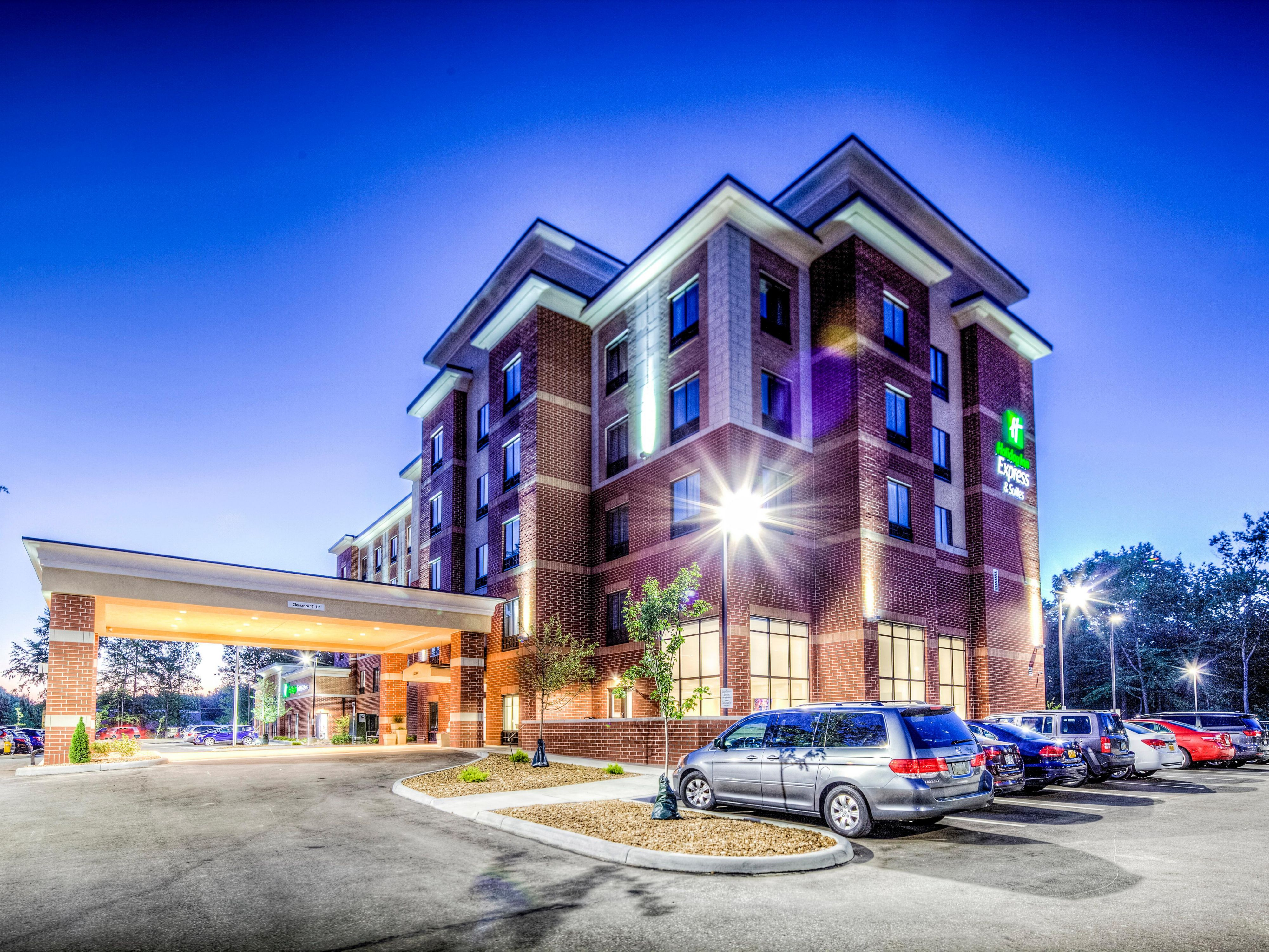 Holiday Inn Express & Suites Cleveland West - Westlake Hotel by IHG