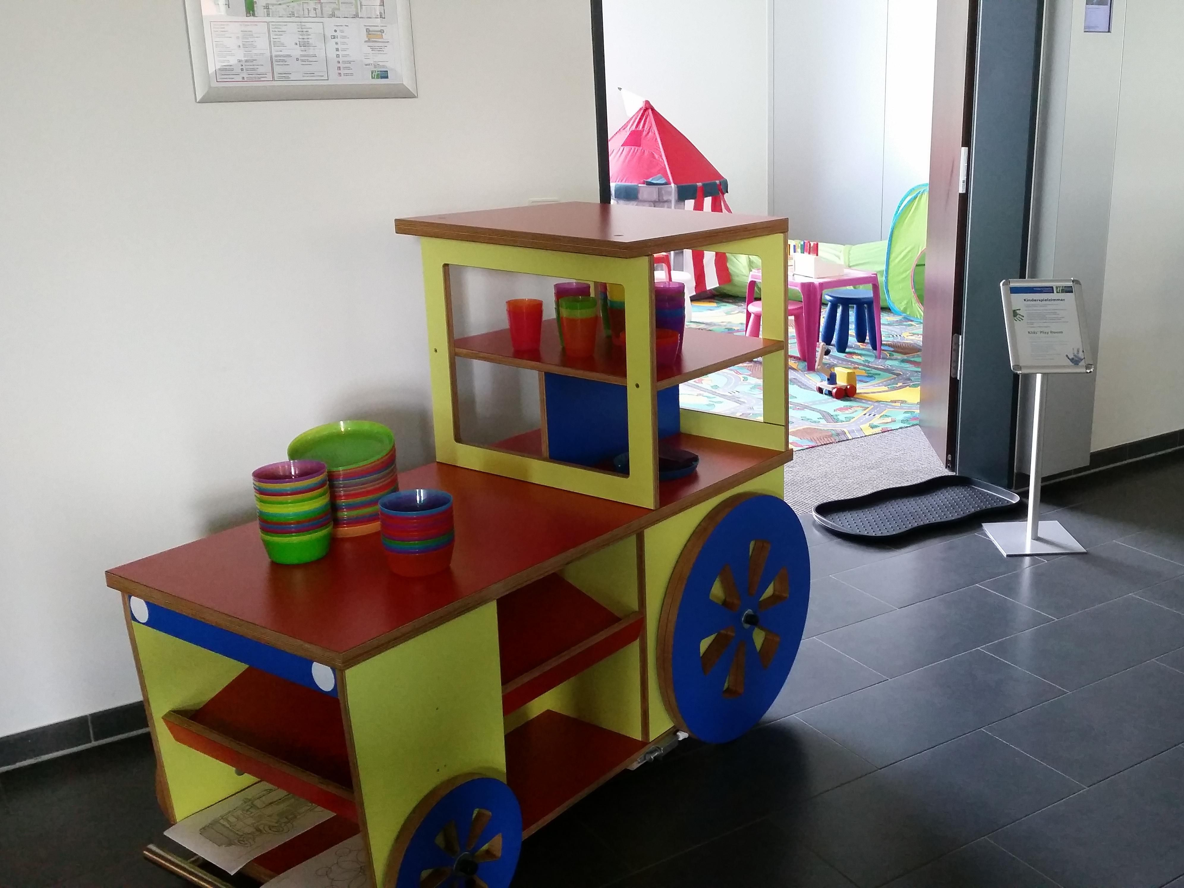 The Kid´s breakfast area and entrance to our new game room.